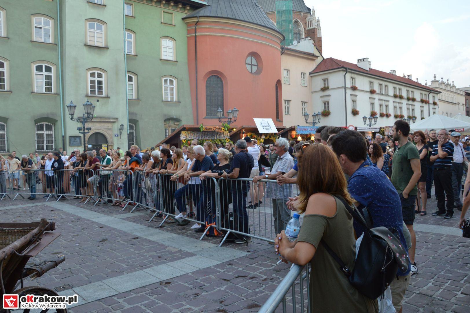 krakow festiwal pierogow maly rynek koncert cheap tobacco 122 150x150 - Galeria zdjęć Festiwal Pierogów Kraków 2018 + zdjęcia z koncertu Cheap Tobacco