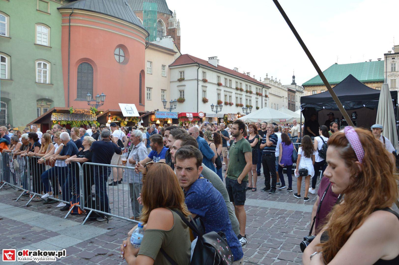 krakow festiwal pierogow maly rynek koncert cheap tobacco 124 150x150 - Galeria zdjęć Festiwal Pierogów Kraków 2018 + zdjęcia z koncertu Cheap Tobacco