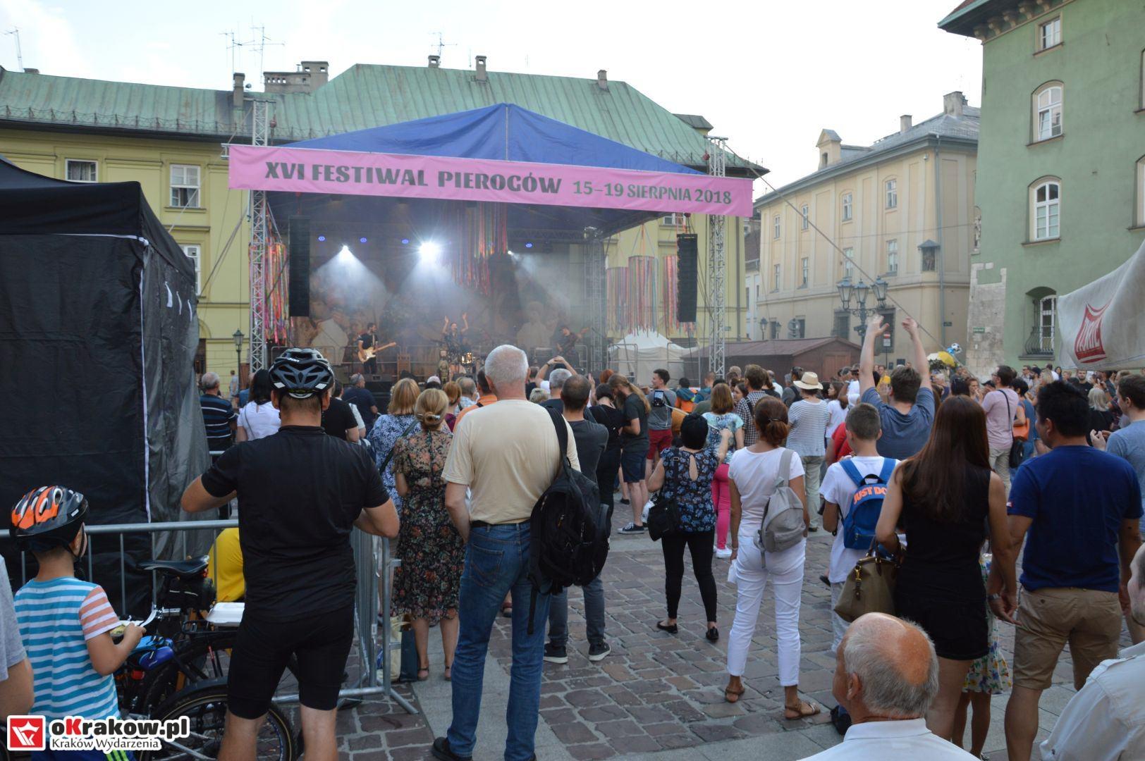 krakow festiwal pierogow maly rynek koncert cheap tobacco 128 150x150 - Galeria zdjęć Festiwal Pierogów Kraków 2018 + zdjęcia z koncertu Cheap Tobacco
