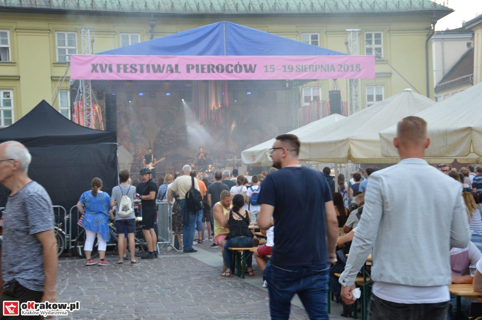 krakow festiwal pierogow maly rynek koncert cheap tobacco 131 150x150 - Galeria zdjęć Festiwal Pierogów Kraków 2018 + zdjęcia z koncertu Cheap Tobacco