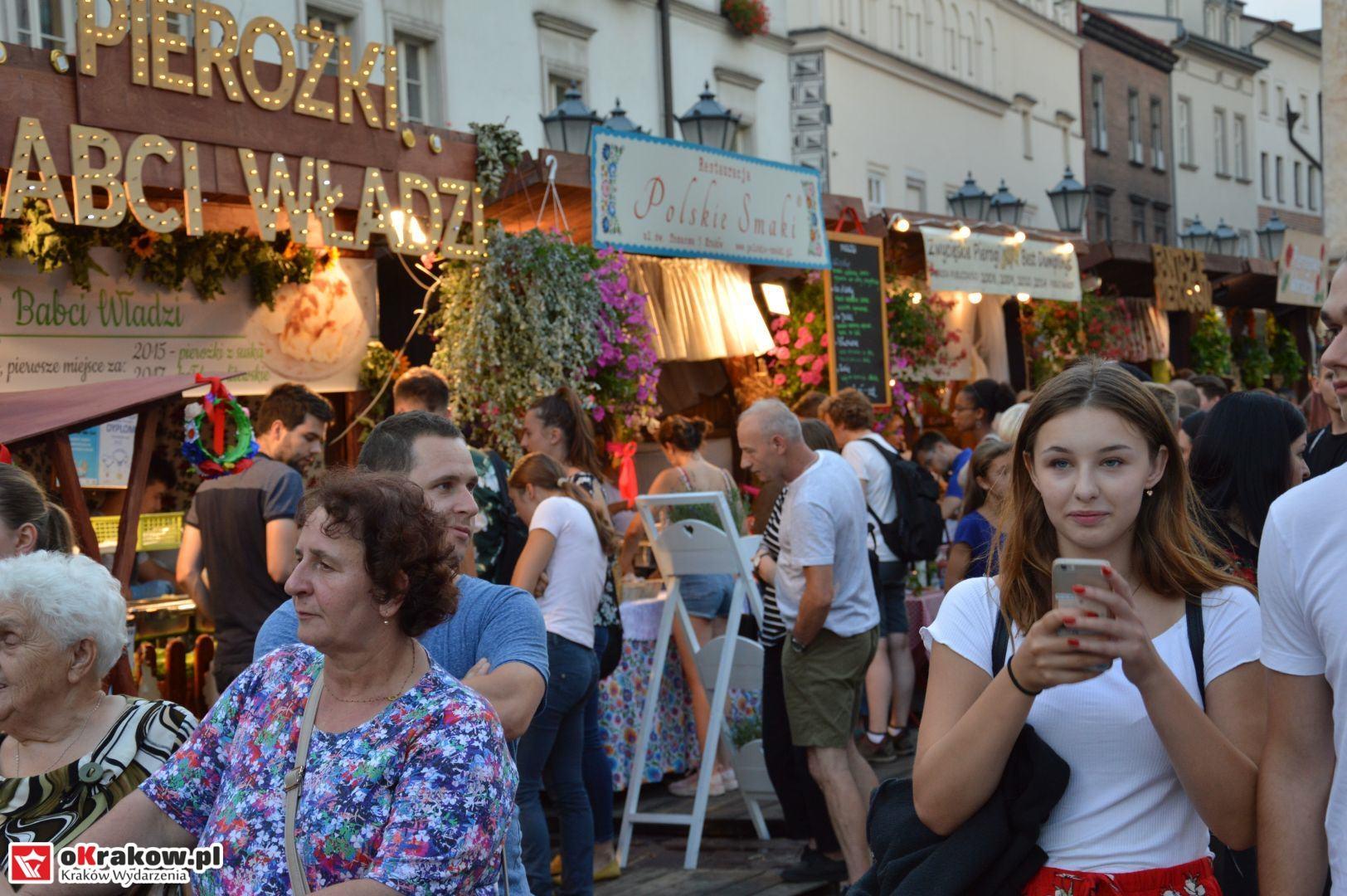 krakow festiwal pierogow maly rynek koncert cheap tobacco 132 150x150 - Galeria zdjęć Festiwal Pierogów Kraków 2018 + zdjęcia z koncertu Cheap Tobacco