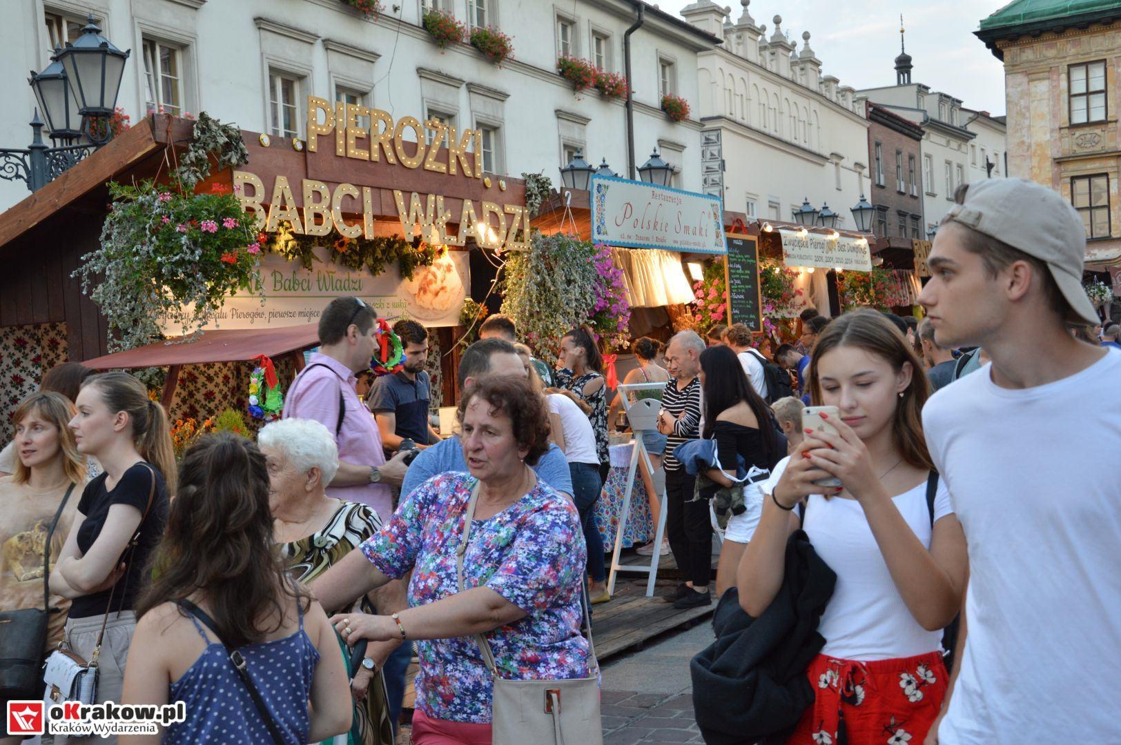 krakow festiwal pierogow maly rynek koncert cheap tobacco 133 150x150 - Galeria zdjęć Festiwal Pierogów Kraków 2018 + zdjęcia z koncertu Cheap Tobacco