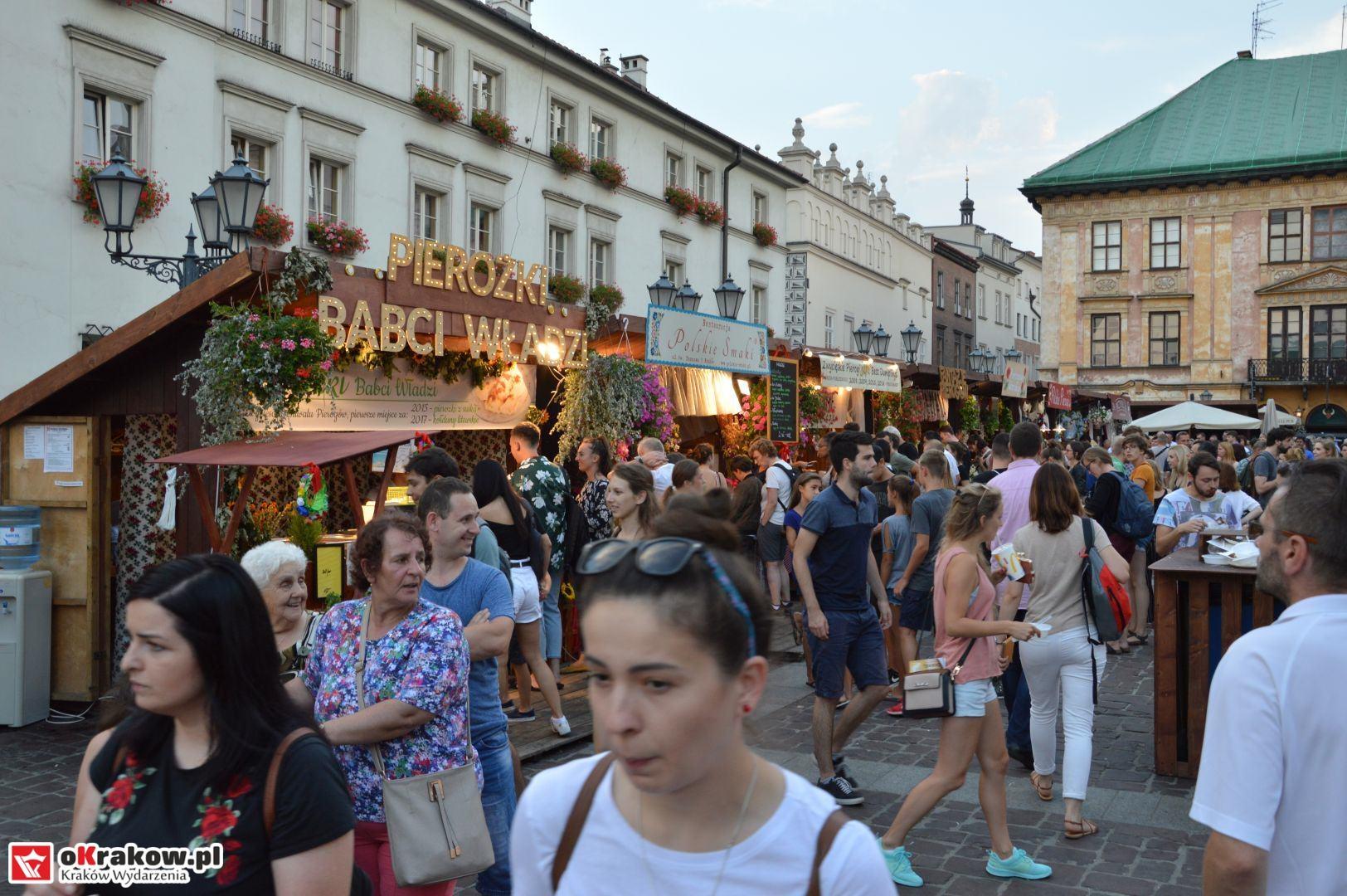 krakow festiwal pierogow maly rynek koncert cheap tobacco 135 150x150 - Galeria zdjęć Festiwal Pierogów Kraków 2018 + zdjęcia z koncertu Cheap Tobacco