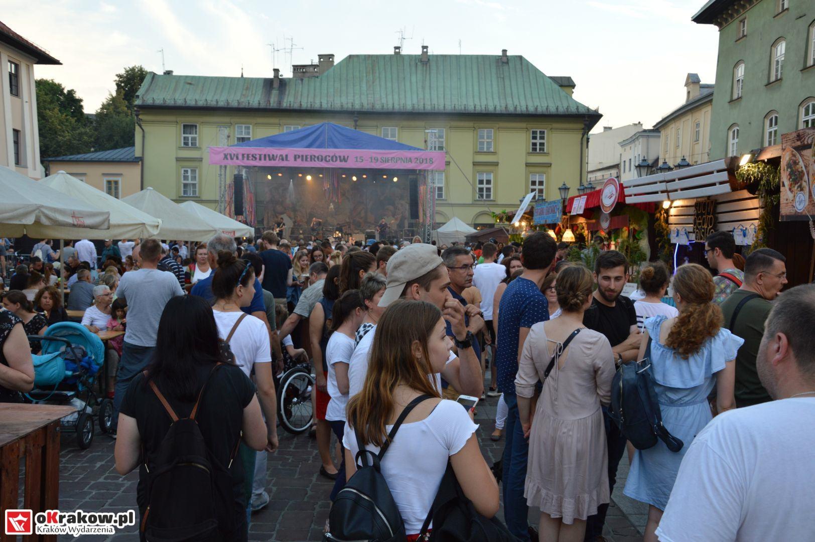 krakow festiwal pierogow maly rynek koncert cheap tobacco 136 150x150 - Galeria zdjęć Festiwal Pierogów Kraków 2018 + zdjęcia z koncertu Cheap Tobacco