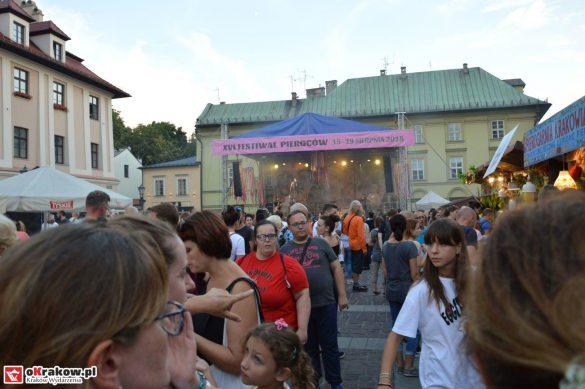 krakow_festiwal_pierogow_maly_rynek_koncert_cheap_tobacco (137)