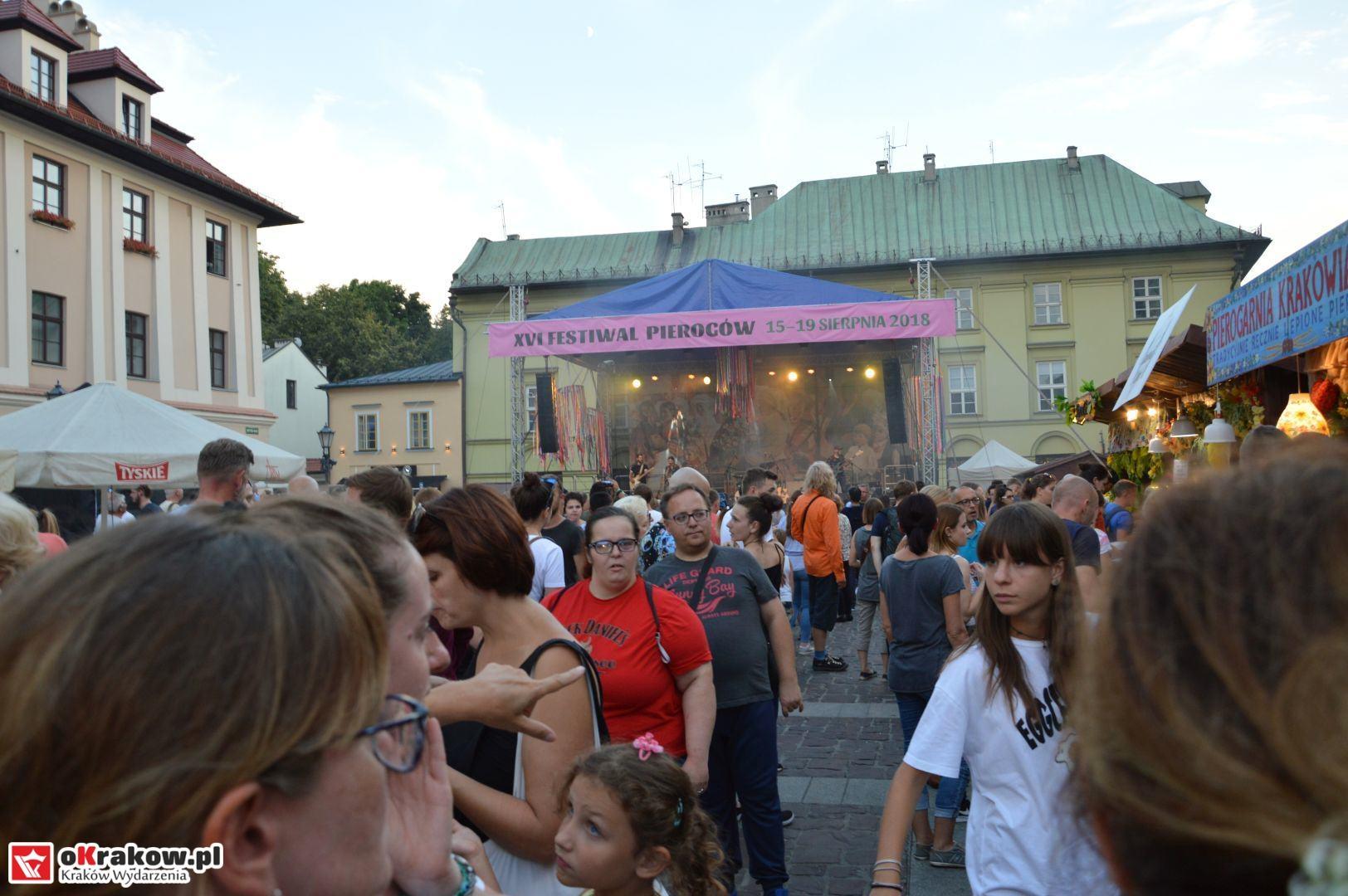 krakow festiwal pierogow maly rynek koncert cheap tobacco 137 150x150 - Galeria zdjęć Festiwal Pierogów Kraków 2018 + zdjęcia z koncertu Cheap Tobacco