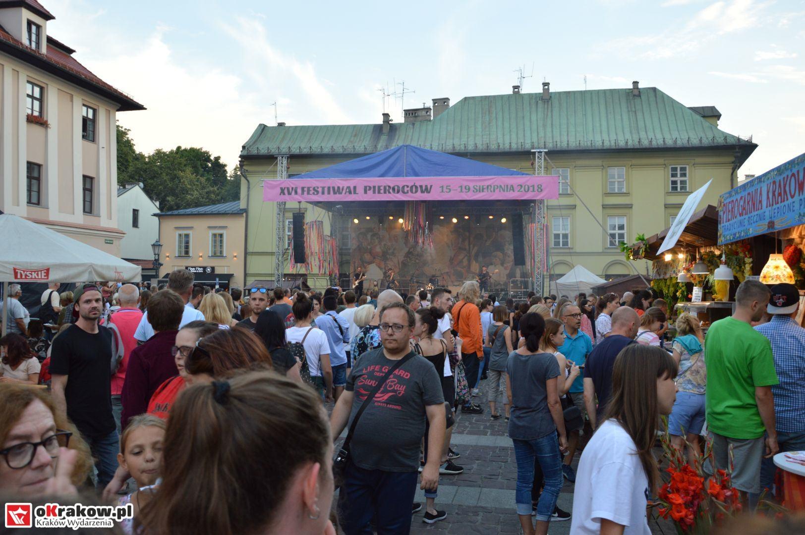 krakow festiwal pierogow maly rynek koncert cheap tobacco 138 150x150 - Galeria zdjęć Festiwal Pierogów Kraków 2018 + zdjęcia z koncertu Cheap Tobacco
