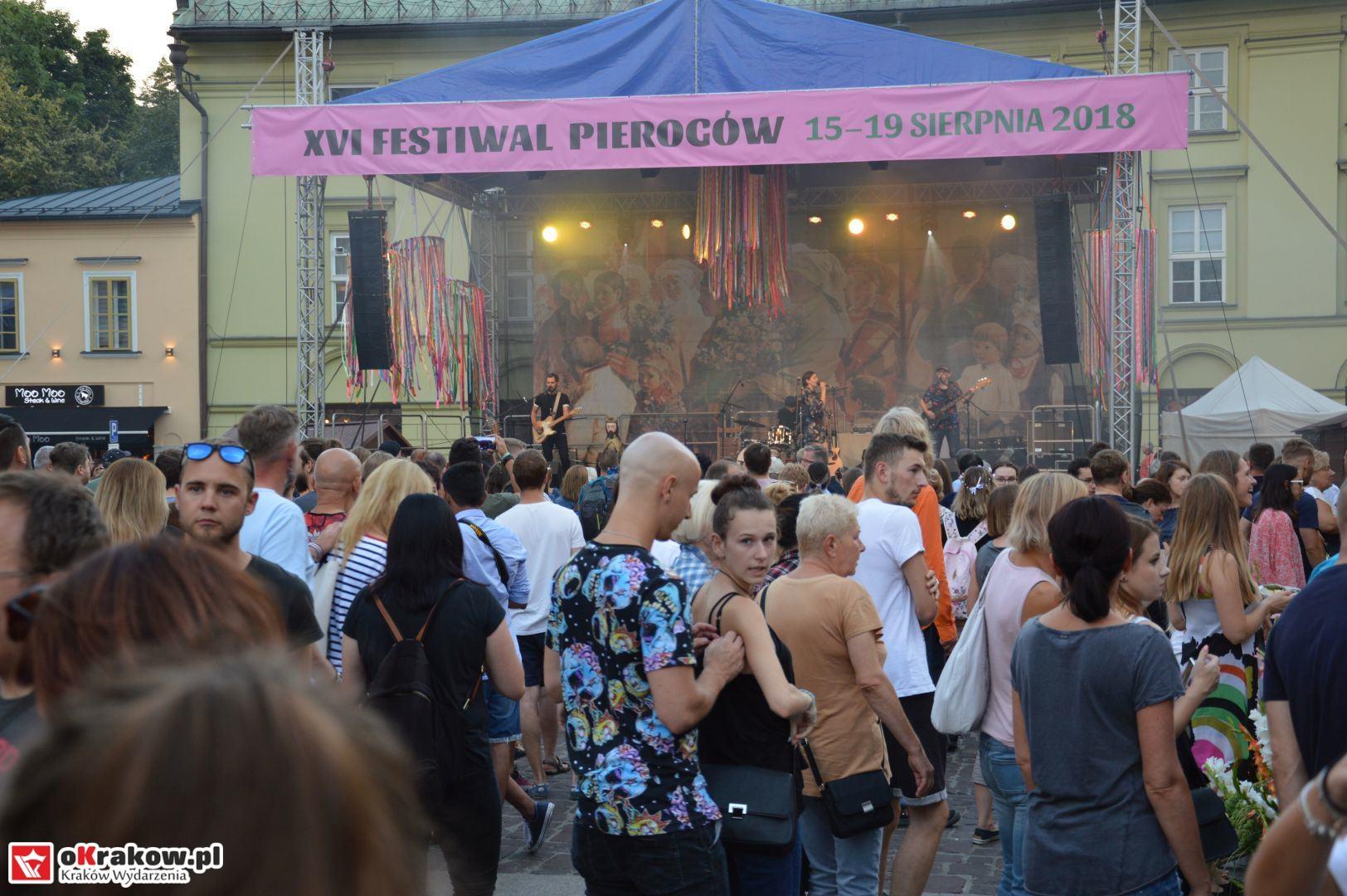 krakow festiwal pierogow maly rynek koncert cheap tobacco 139 150x150 - Galeria zdjęć Festiwal Pierogów Kraków 2018 + zdjęcia z koncertu Cheap Tobacco