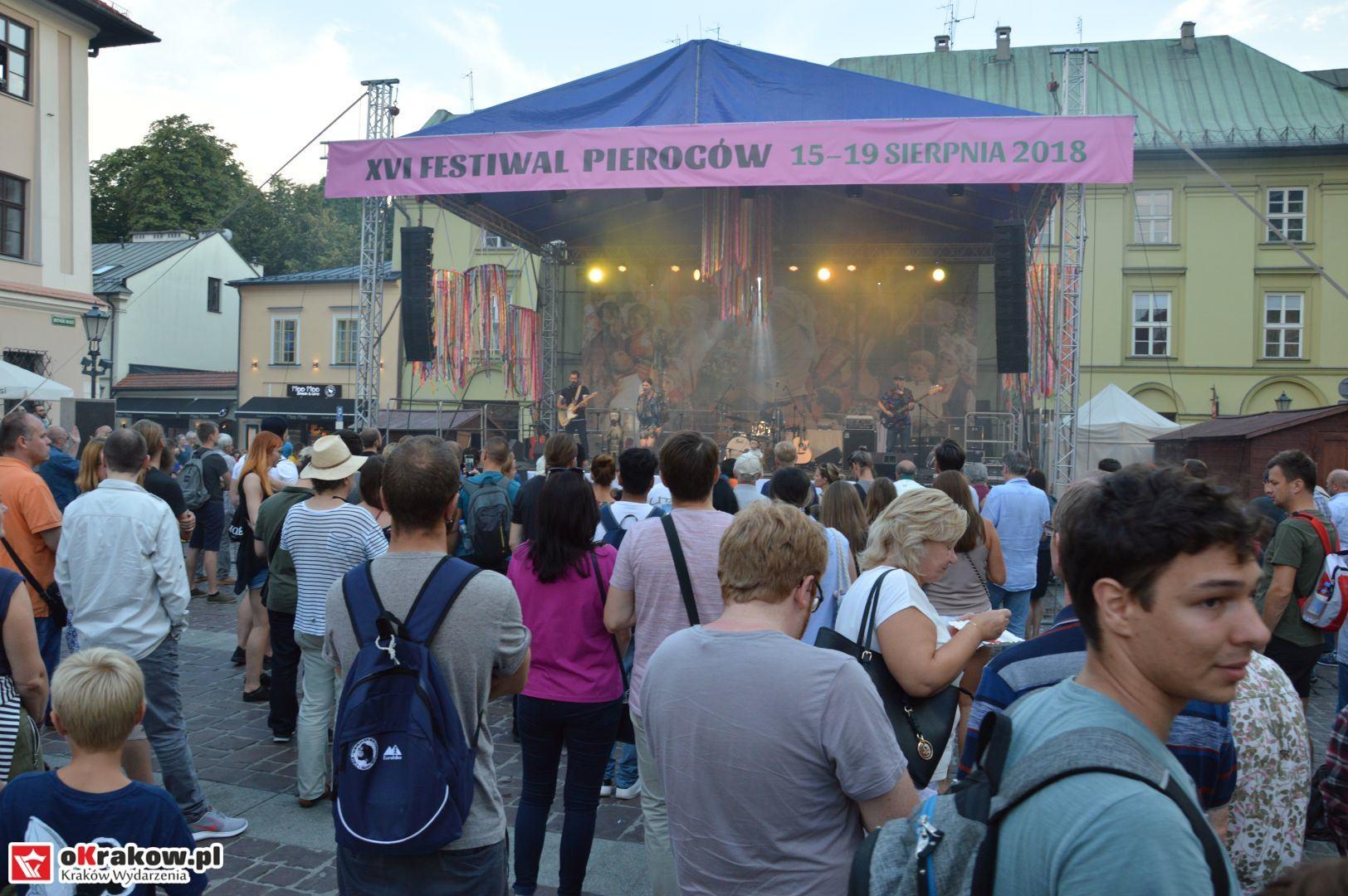 krakow festiwal pierogow maly rynek koncert cheap tobacco 143 150x150 - Galeria zdjęć Festiwal Pierogów Kraków 2018 + zdjęcia z koncertu Cheap Tobacco