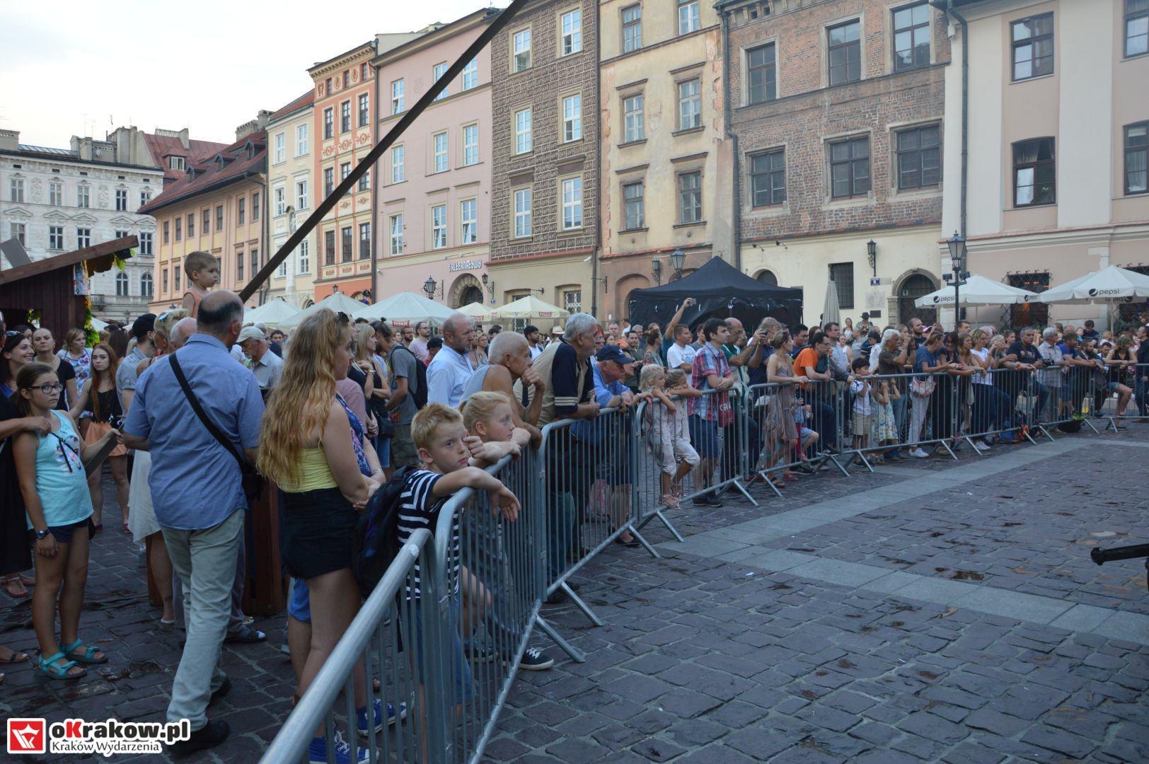 krakow festiwal pierogow maly rynek koncert cheap tobacco 148 150x150 - Galeria zdjęć Festiwal Pierogów Kraków 2018 + zdjęcia z koncertu Cheap Tobacco