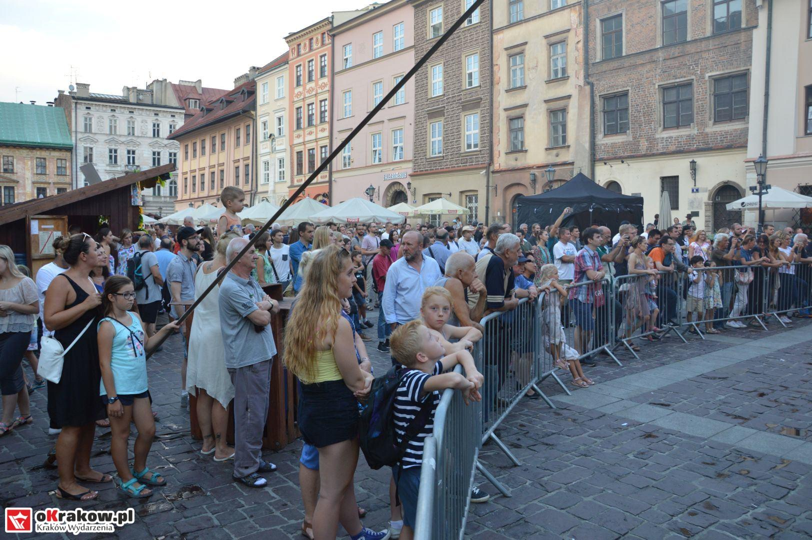 krakow festiwal pierogow maly rynek koncert cheap tobacco 149 150x150 - Galeria zdjęć Festiwal Pierogów Kraków 2018 + zdjęcia z koncertu Cheap Tobacco