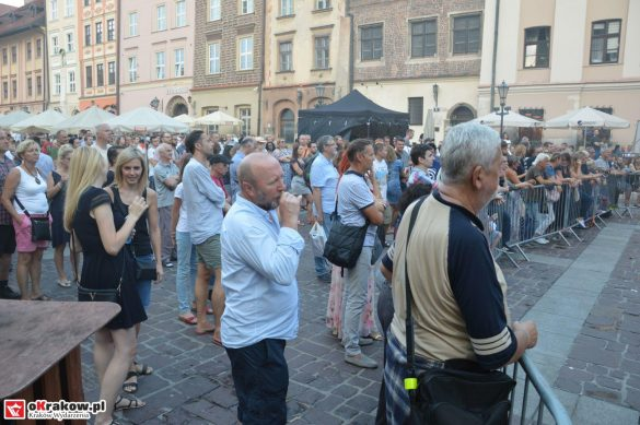krakow_festiwal_pierogow_maly_rynek_koncert_cheap_tobacco (160)
