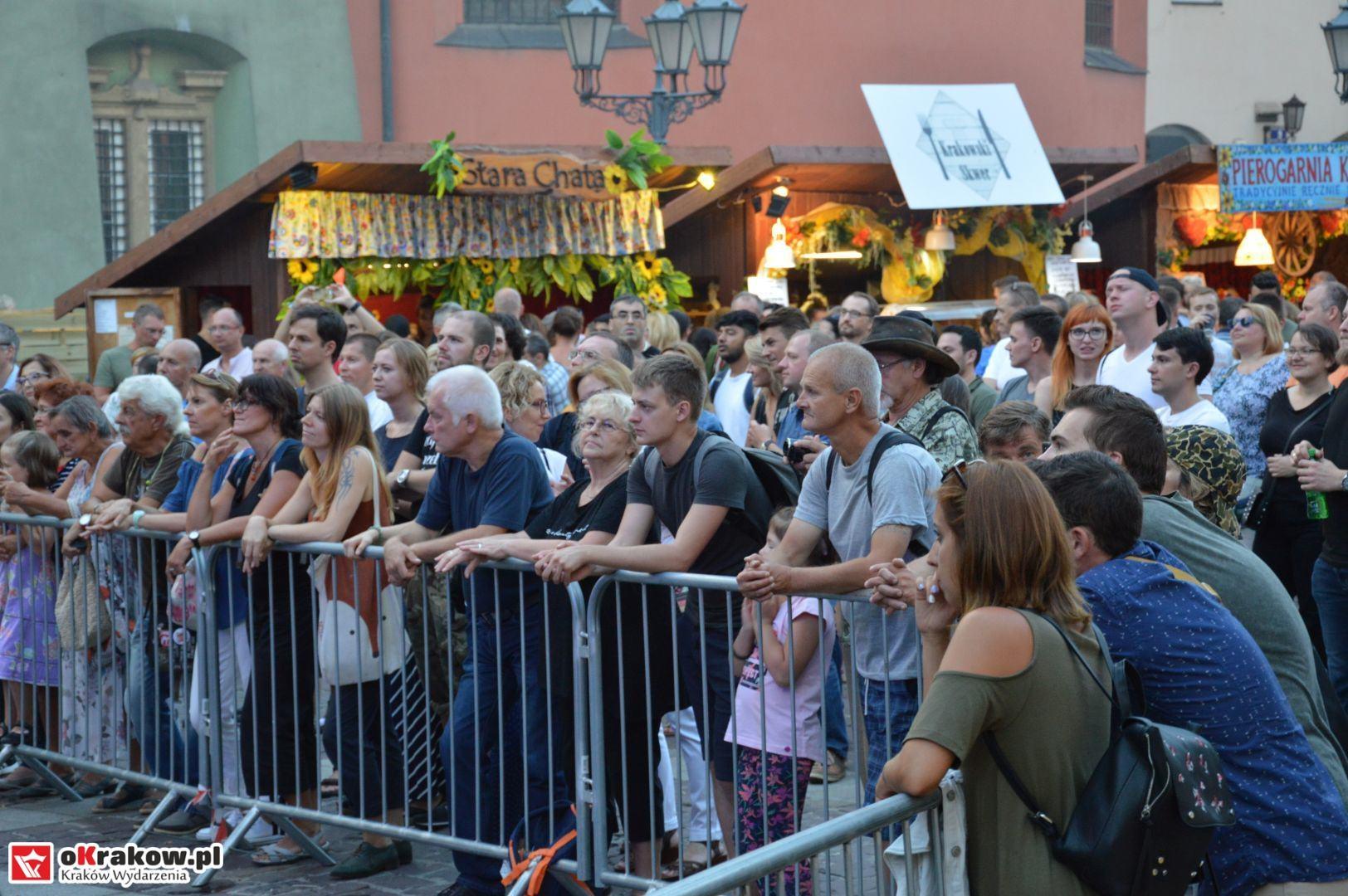 krakow festiwal pierogow maly rynek koncert cheap tobacco 163 150x150 - Galeria zdjęć Festiwal Pierogów Kraków 2018 + zdjęcia z koncertu Cheap Tobacco