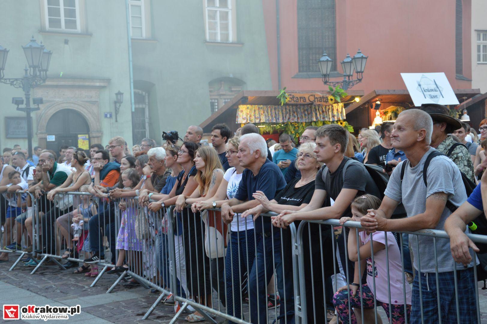 krakow festiwal pierogow maly rynek koncert cheap tobacco 168 150x150 - Galeria zdjęć Festiwal Pierogów Kraków 2018 + zdjęcia z koncertu Cheap Tobacco