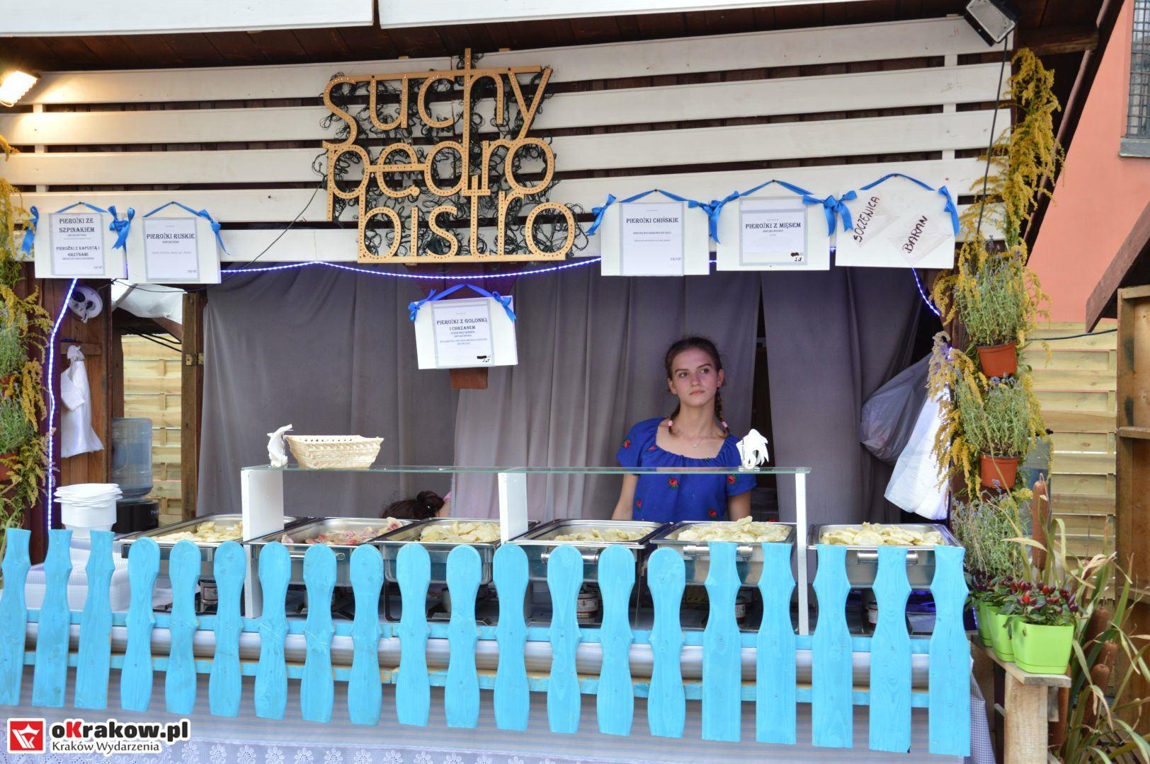 krakow festiwal pierogow maly rynek koncert cheap tobacco 17 150x150 - Galeria zdjęć Festiwal Pierogów Kraków 2018 + zdjęcia z koncertu Cheap Tobacco