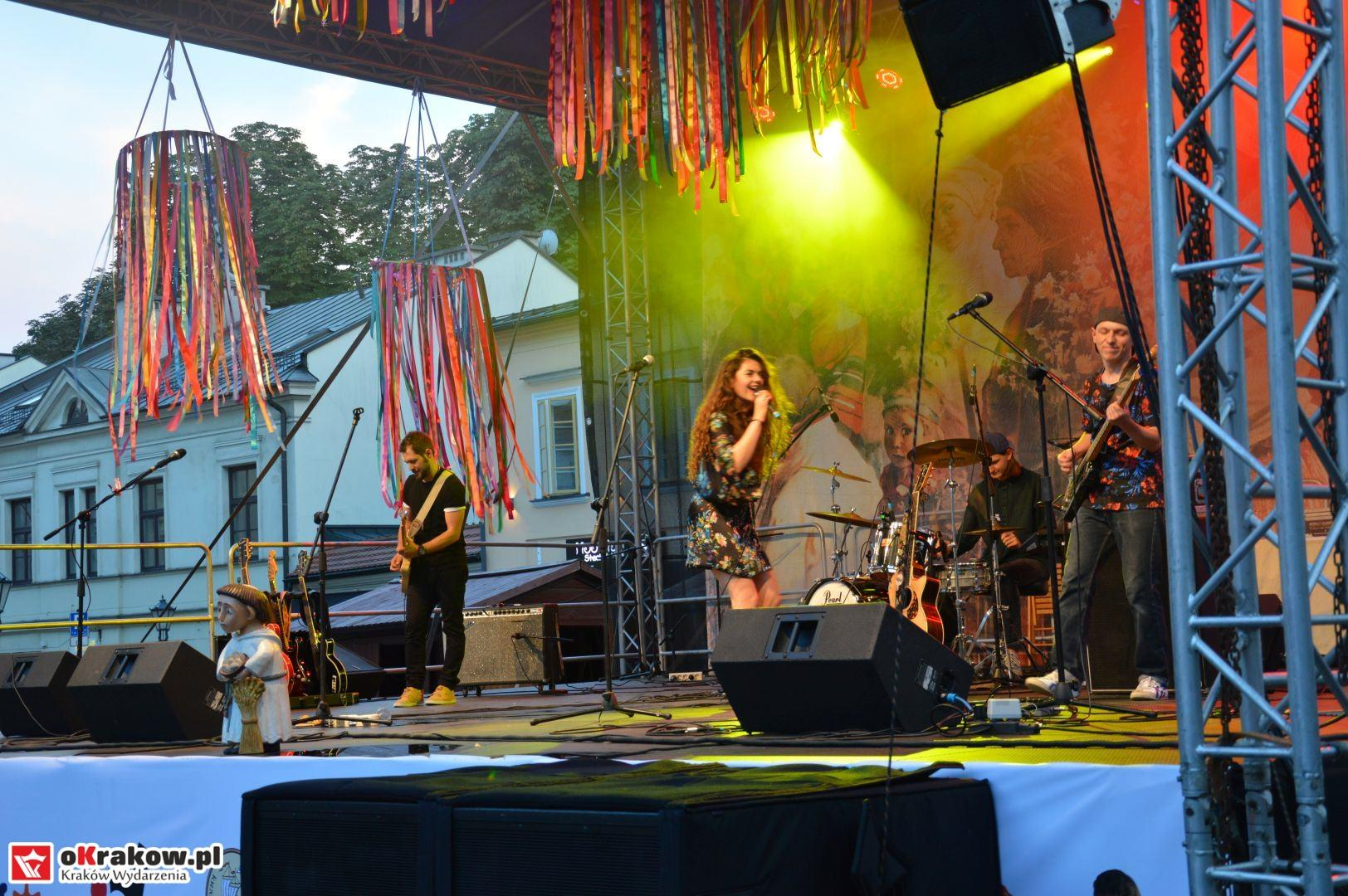 krakow festiwal pierogow maly rynek koncert cheap tobacco 178 150x150 - Galeria zdjęć Festiwal Pierogów Kraków 2018 + zdjęcia z koncertu Cheap Tobacco