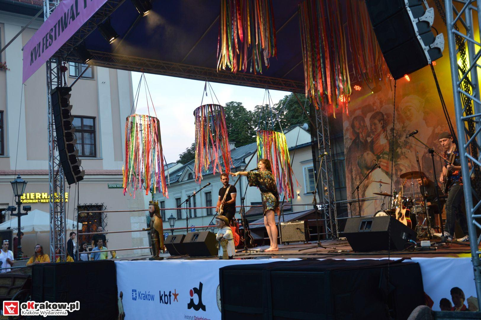 krakow festiwal pierogow maly rynek koncert cheap tobacco 180 150x150 - Galeria zdjęć Festiwal Pierogów Kraków 2018 + zdjęcia z koncertu Cheap Tobacco