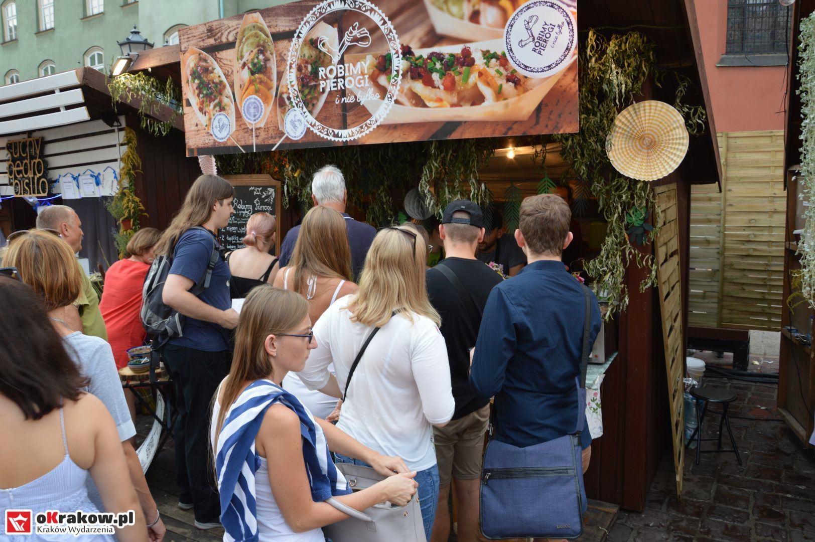 krakow festiwal pierogow maly rynek koncert cheap tobacco 19 150x150 - Galeria zdjęć Festiwal Pierogów Kraków 2018 + zdjęcia z koncertu Cheap Tobacco