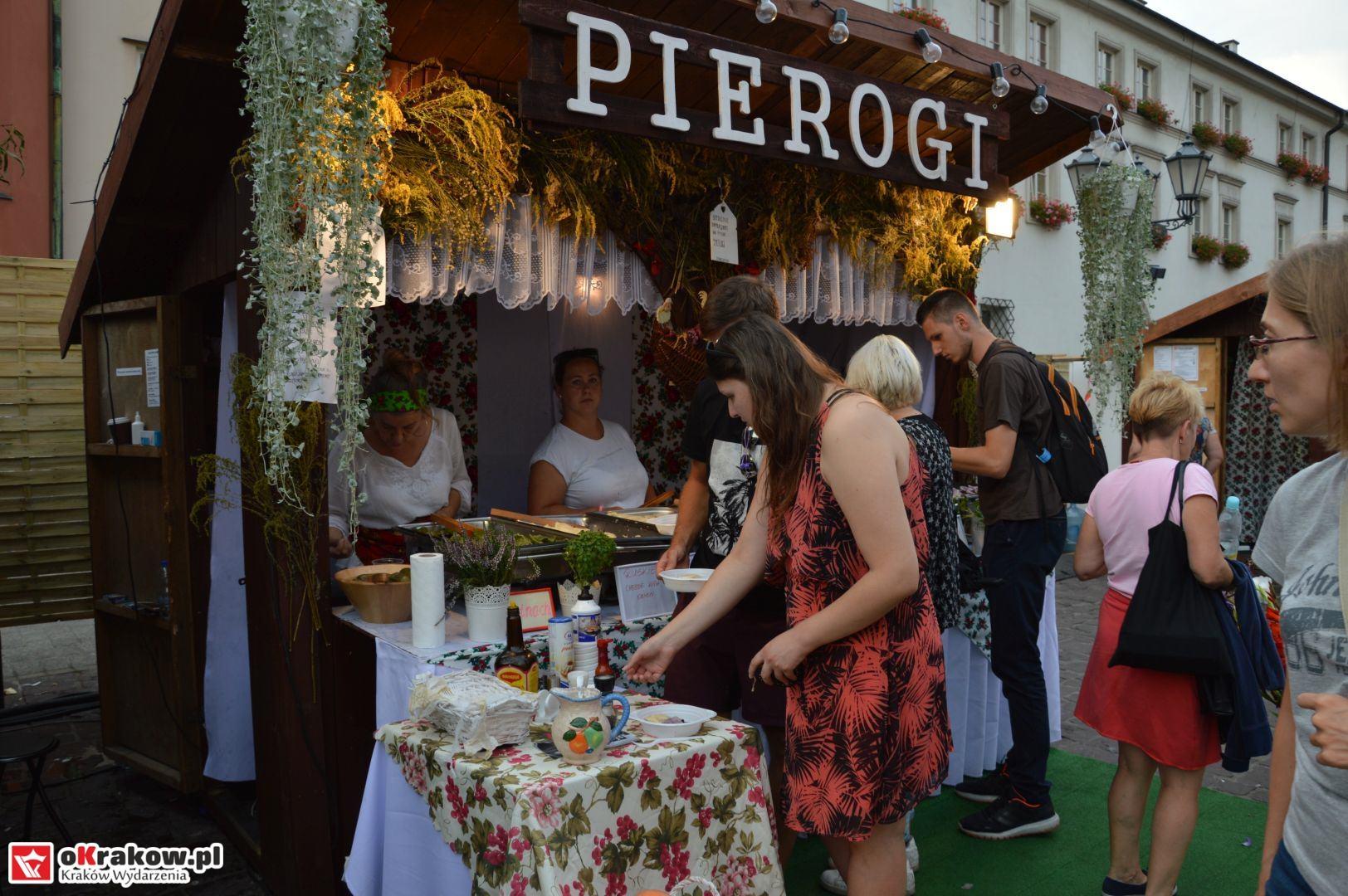 krakow festiwal pierogow maly rynek koncert cheap tobacco 20 150x150 - Galeria zdjęć Festiwal Pierogów Kraków 2018 + zdjęcia z koncertu Cheap Tobacco