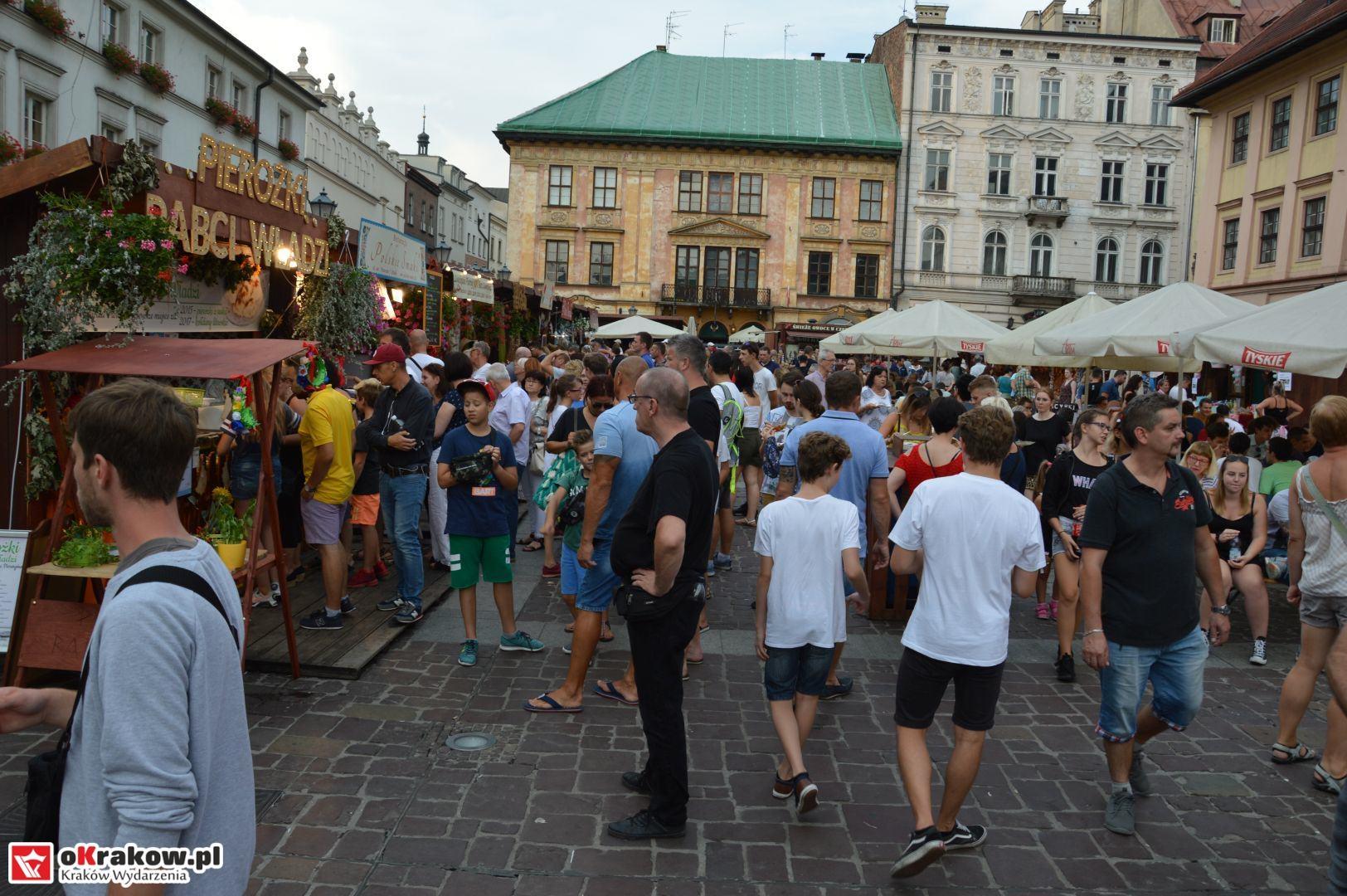 krakow festiwal pierogow maly rynek koncert cheap tobacco 21 150x150 - Galeria zdjęć Festiwal Pierogów Kraków 2018 + zdjęcia z koncertu Cheap Tobacco