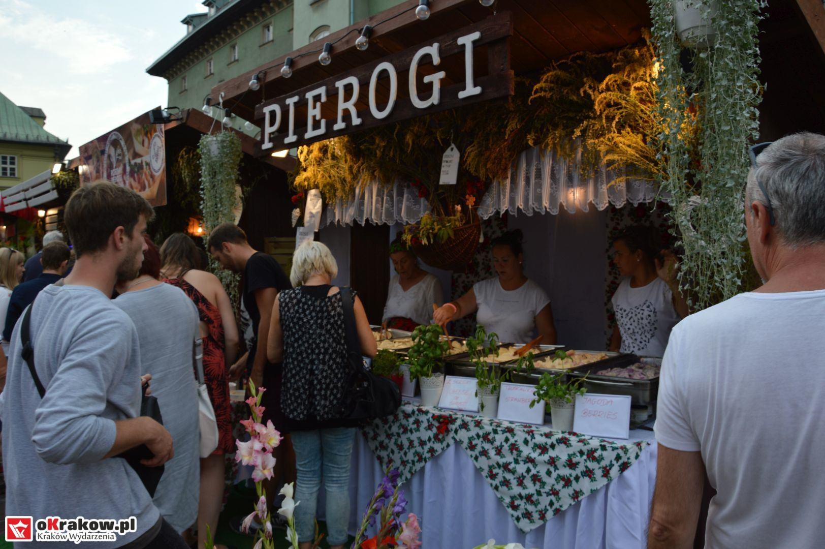 krakow festiwal pierogow maly rynek koncert cheap tobacco 22 150x150 - Galeria zdjęć Festiwal Pierogów Kraków 2018 + zdjęcia z koncertu Cheap Tobacco