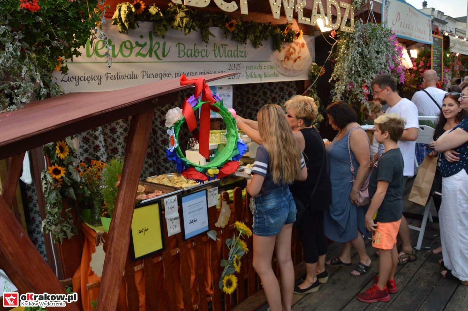 krakow festiwal pierogow maly rynek koncert cheap tobacco 23 150x150 - Galeria zdjęć Festiwal Pierogów Kraków 2018 + zdjęcia z koncertu Cheap Tobacco