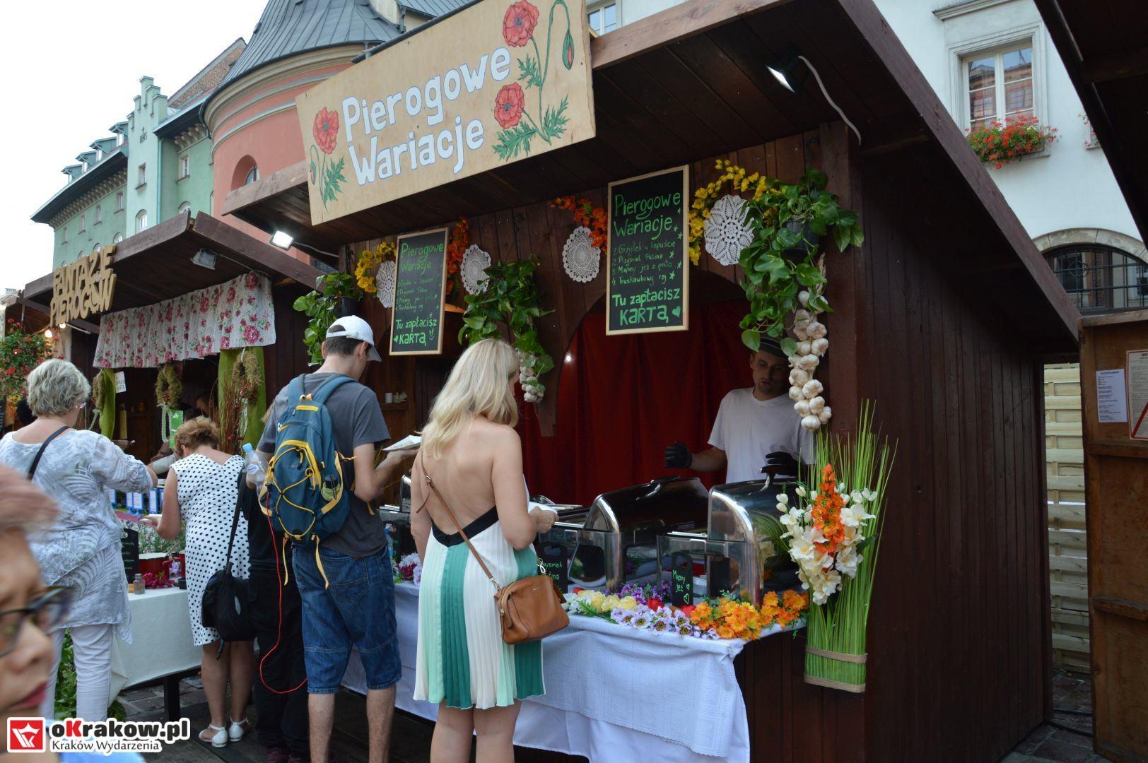 krakow festiwal pierogow maly rynek koncert cheap tobacco 30 150x150 - Galeria zdjęć Festiwal Pierogów Kraków 2018 + zdjęcia z koncertu Cheap Tobacco