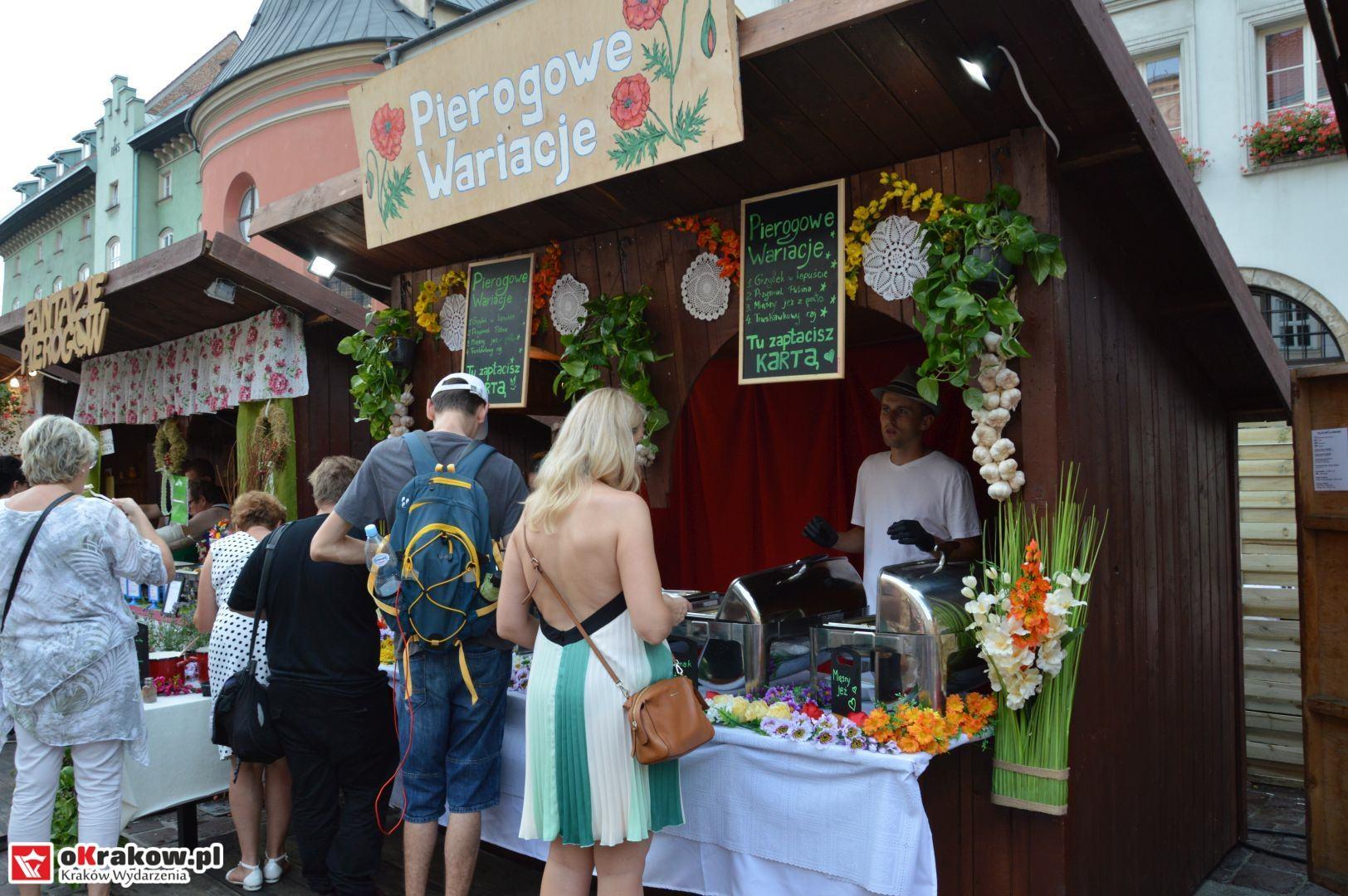 krakow festiwal pierogow maly rynek koncert cheap tobacco 31 150x150 - Galeria zdjęć Festiwal Pierogów Kraków 2018 + zdjęcia z koncertu Cheap Tobacco