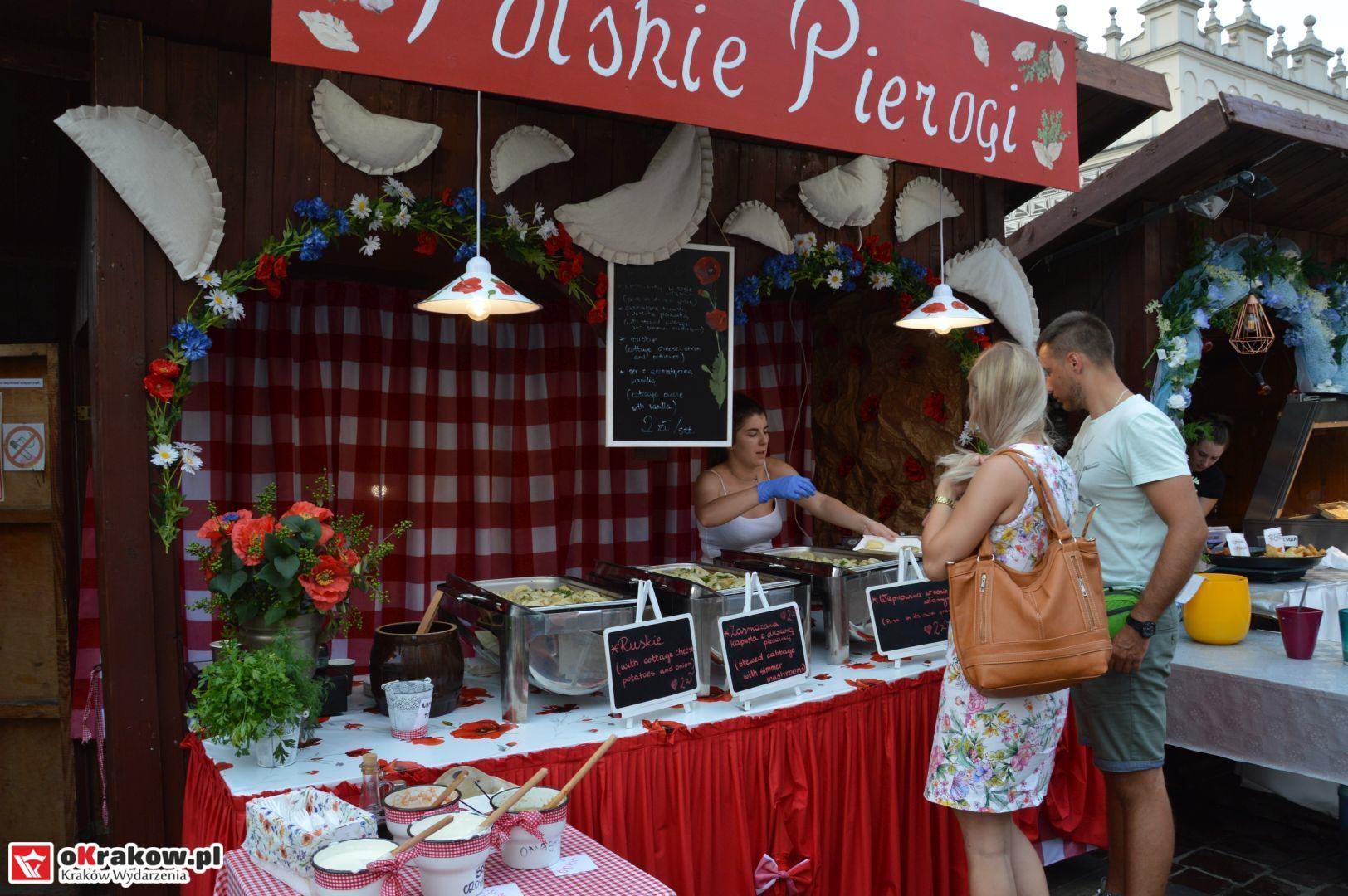 krakow festiwal pierogow maly rynek koncert cheap tobacco 32 150x150 - Galeria zdjęć Festiwal Pierogów Kraków 2018 + zdjęcia z koncertu Cheap Tobacco