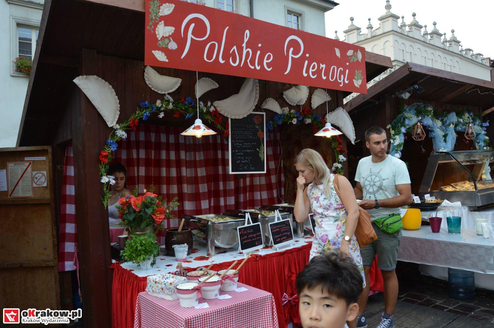 krakow festiwal pierogow maly rynek koncert cheap tobacco 33 150x150 - Galeria zdjęć Festiwal Pierogów Kraków 2018 + zdjęcia z koncertu Cheap Tobacco