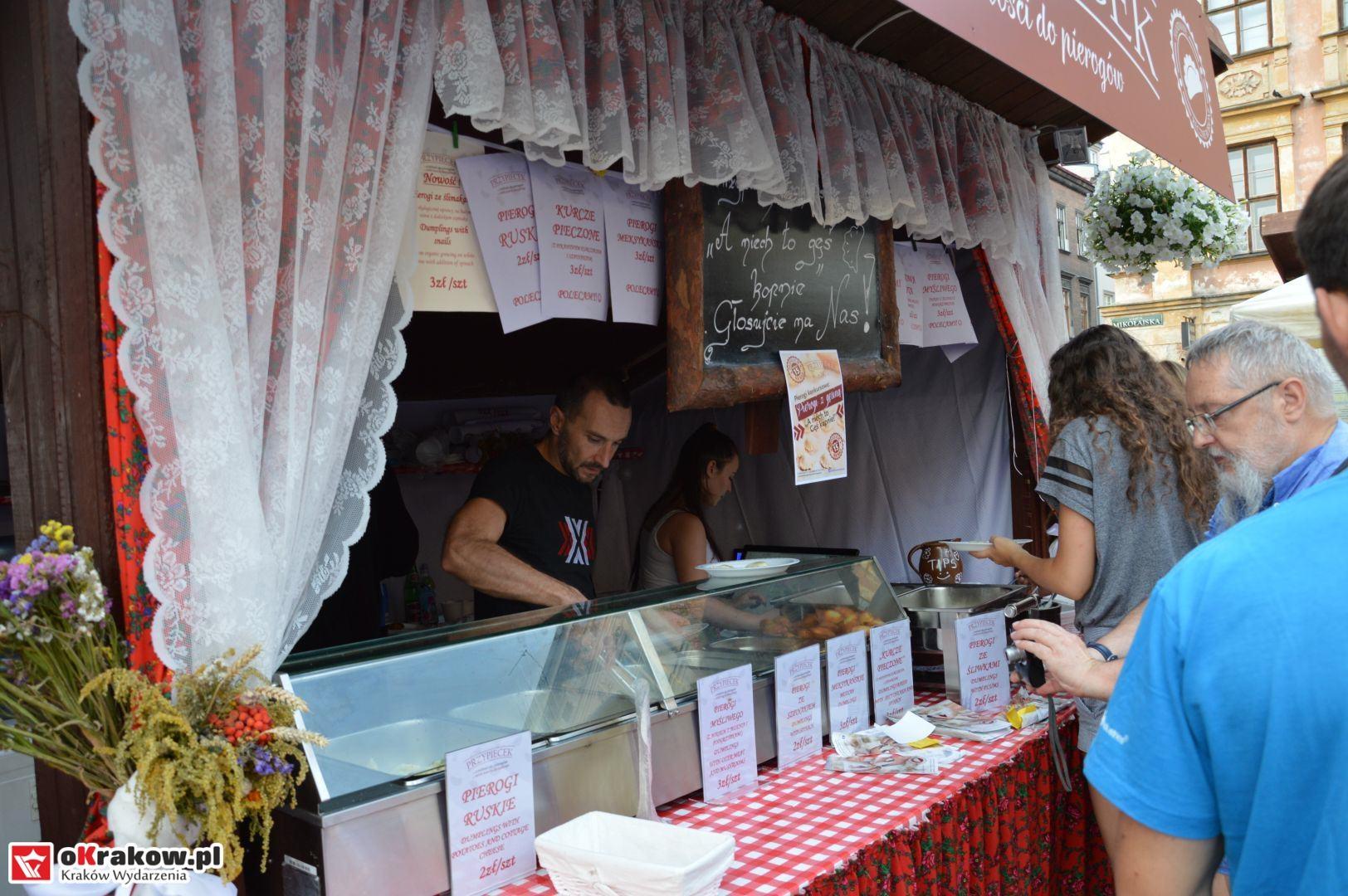 krakow festiwal pierogow maly rynek koncert cheap tobacco 36 150x150 - Galeria zdjęć Festiwal Pierogów Kraków 2018 + zdjęcia z koncertu Cheap Tobacco