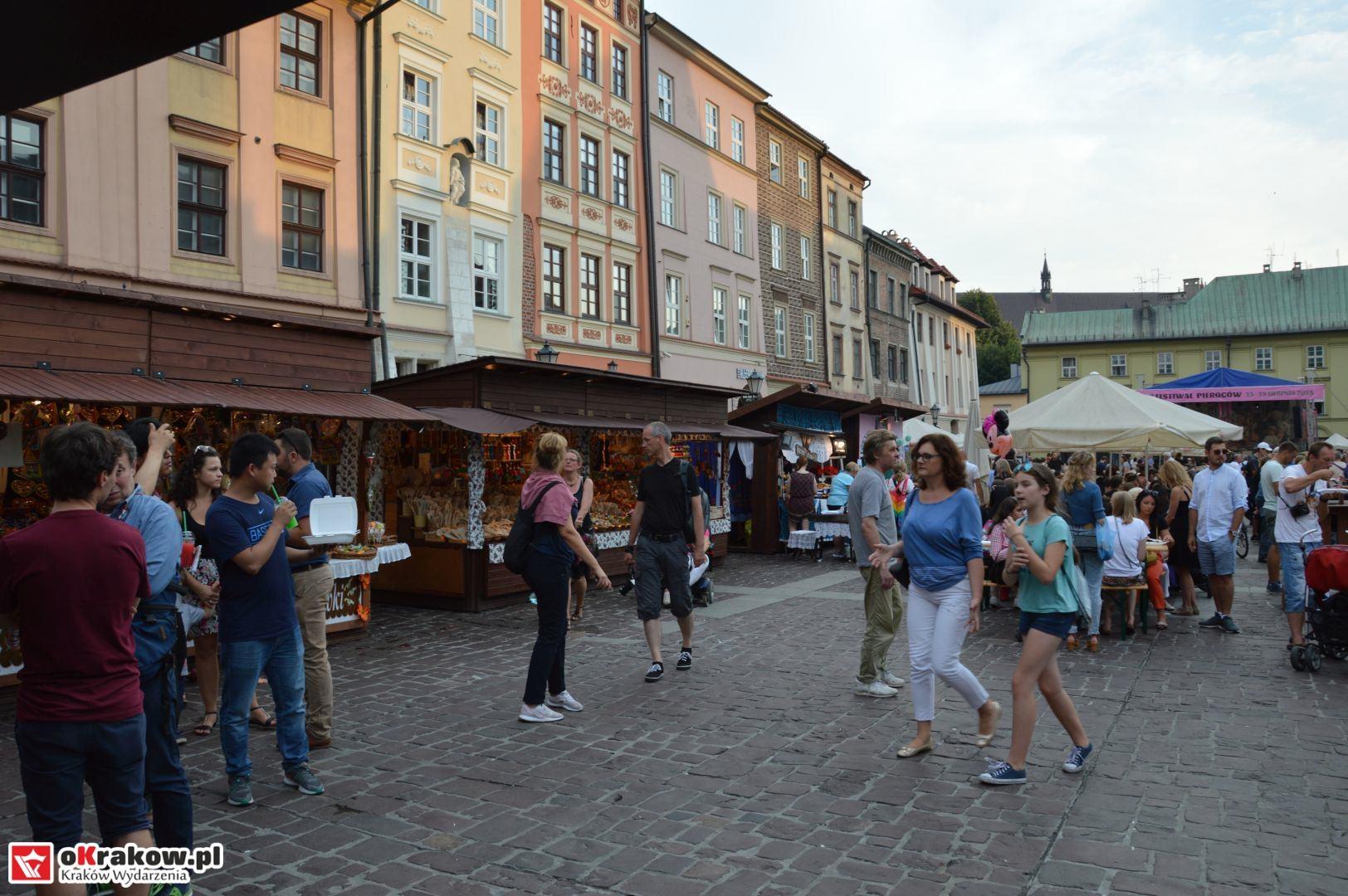 krakow festiwal pierogow maly rynek koncert cheap tobacco 39 150x150 - Galeria zdjęć Festiwal Pierogów Kraków 2018 + zdjęcia z koncertu Cheap Tobacco