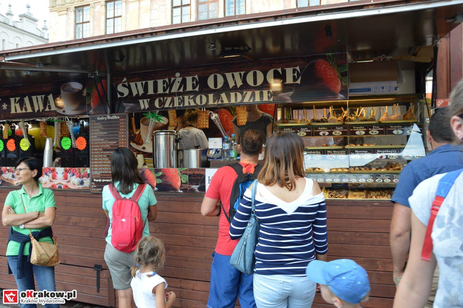 krakow festiwal pierogow maly rynek koncert cheap tobacco 41 150x150 - Galeria zdjęć Festiwal Pierogów Kraków 2018 + zdjęcia z koncertu Cheap Tobacco