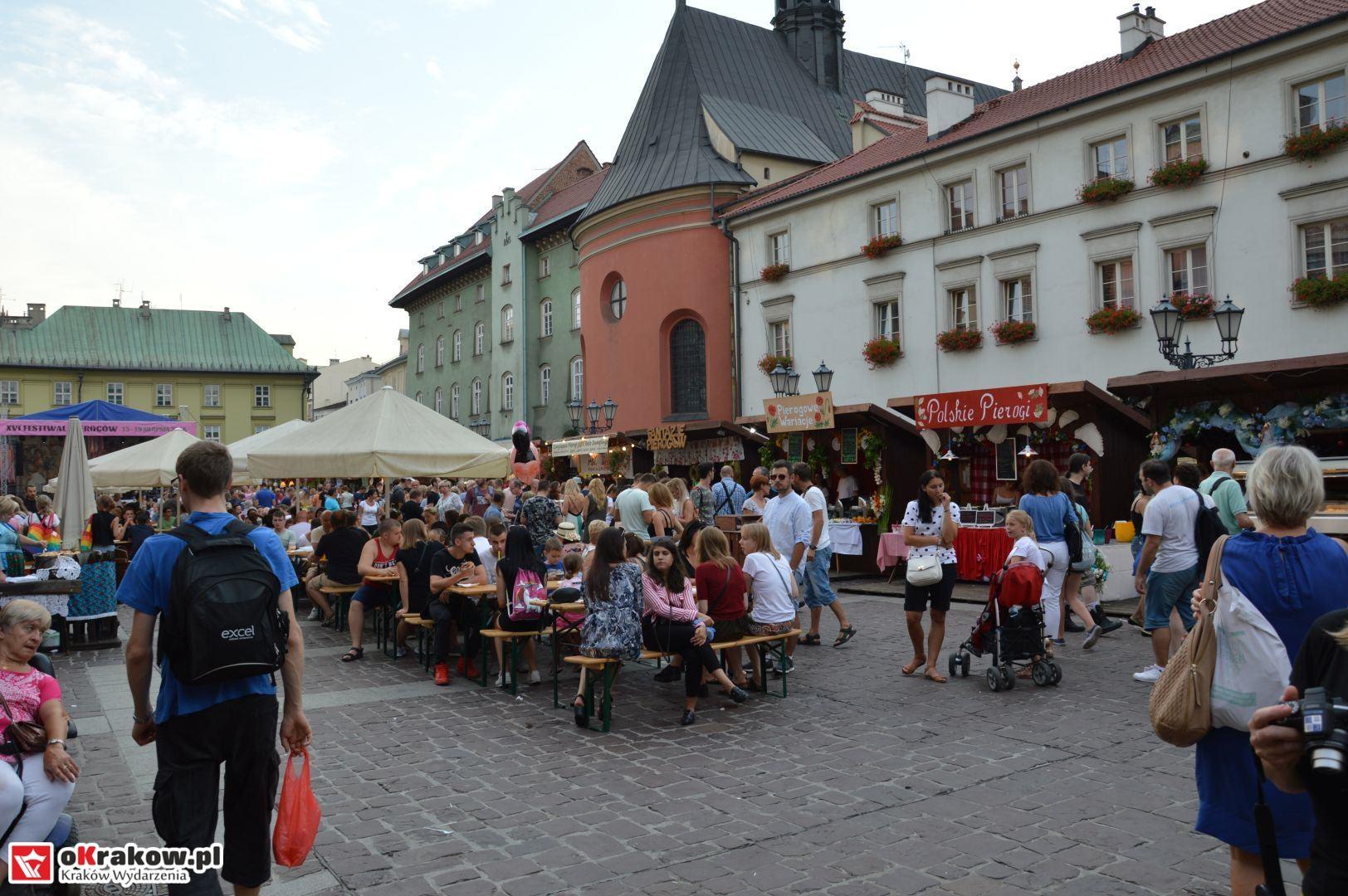 krakow festiwal pierogow maly rynek koncert cheap tobacco 42 150x150 - Galeria zdjęć Festiwal Pierogów Kraków 2018 + zdjęcia z koncertu Cheap Tobacco