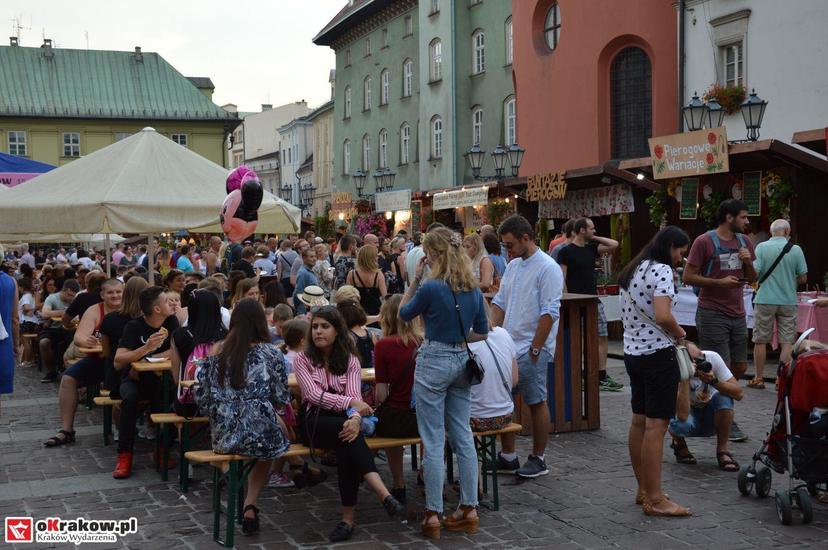 krakow festiwal pierogow maly rynek koncert cheap tobacco 43 150x150 - Galeria zdjęć Festiwal Pierogów Kraków 2018 + zdjęcia z koncertu Cheap Tobacco