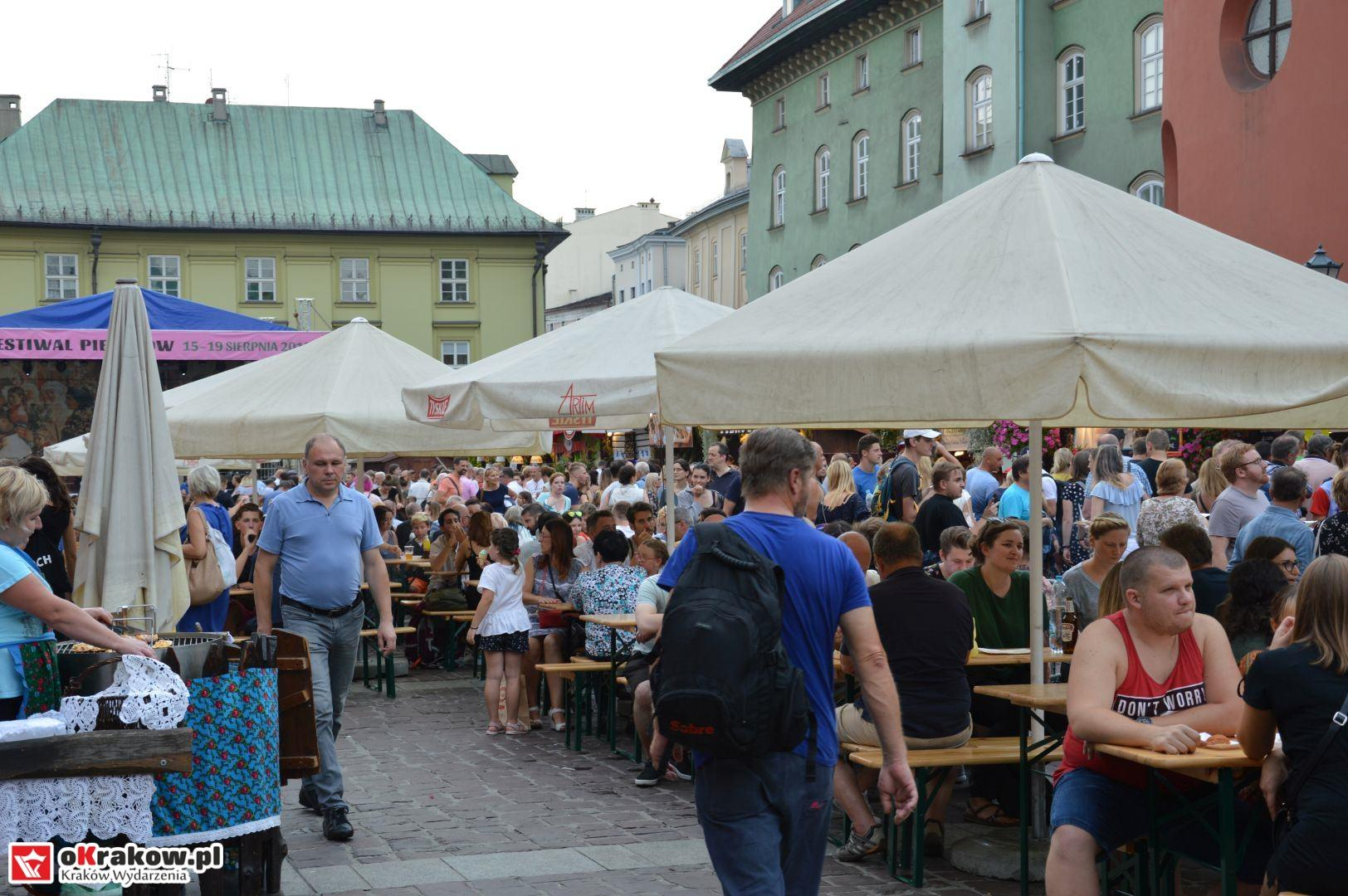 krakow festiwal pierogow maly rynek koncert cheap tobacco 45 150x150 - Galeria zdjęć Festiwal Pierogów Kraków 2018 + zdjęcia z koncertu Cheap Tobacco