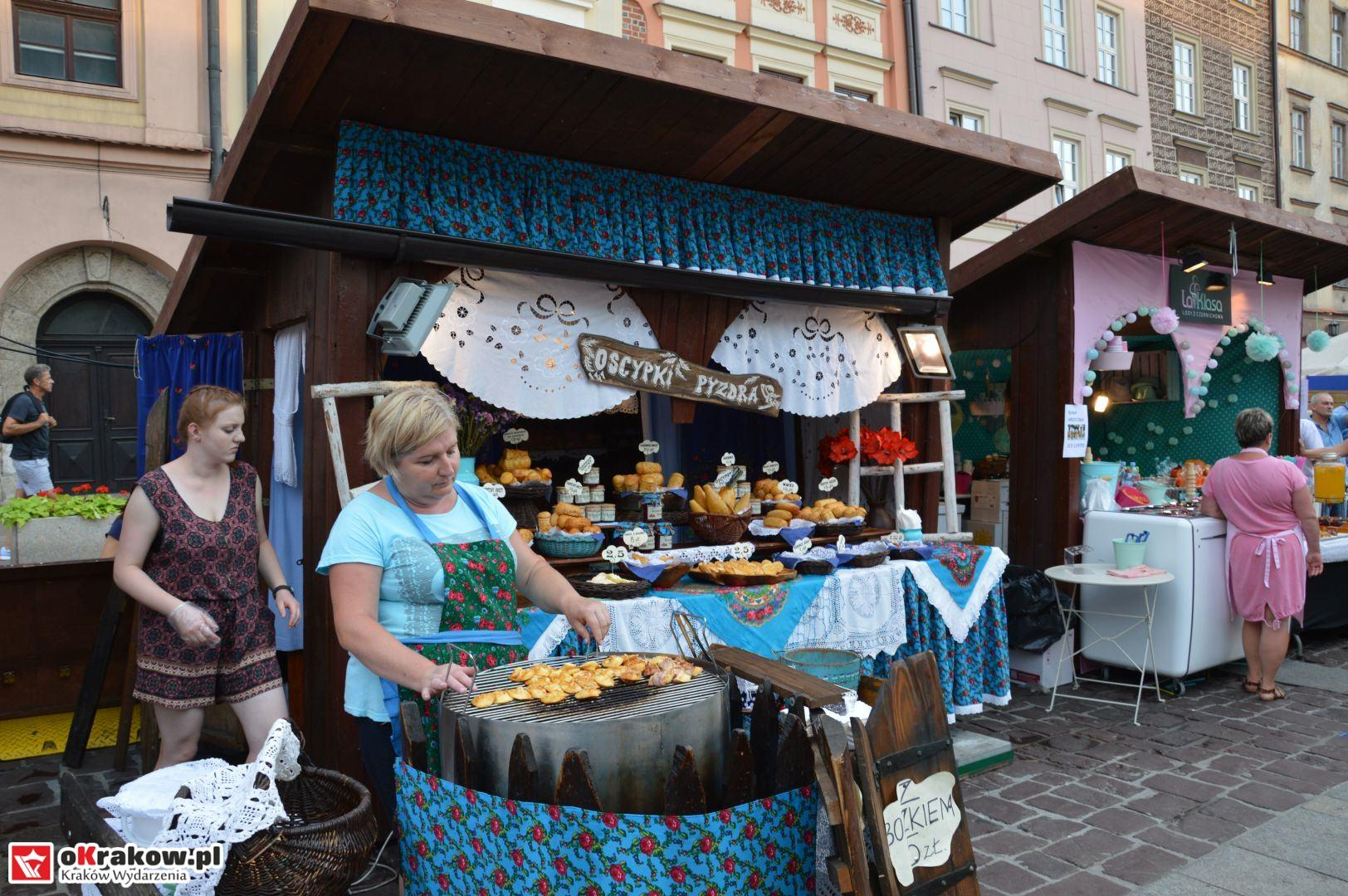 krakow festiwal pierogow maly rynek koncert cheap tobacco 47 150x150 - Galeria zdjęć Festiwal Pierogów Kraków 2018 + zdjęcia z koncertu Cheap Tobacco