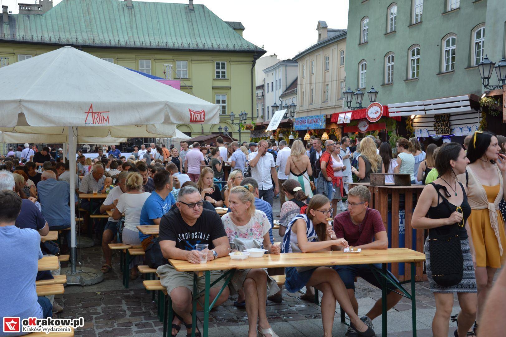 krakow festiwal pierogow maly rynek koncert cheap tobacco 49 150x150 - Galeria zdjęć Festiwal Pierogów Kraków 2018 + zdjęcia z koncertu Cheap Tobacco