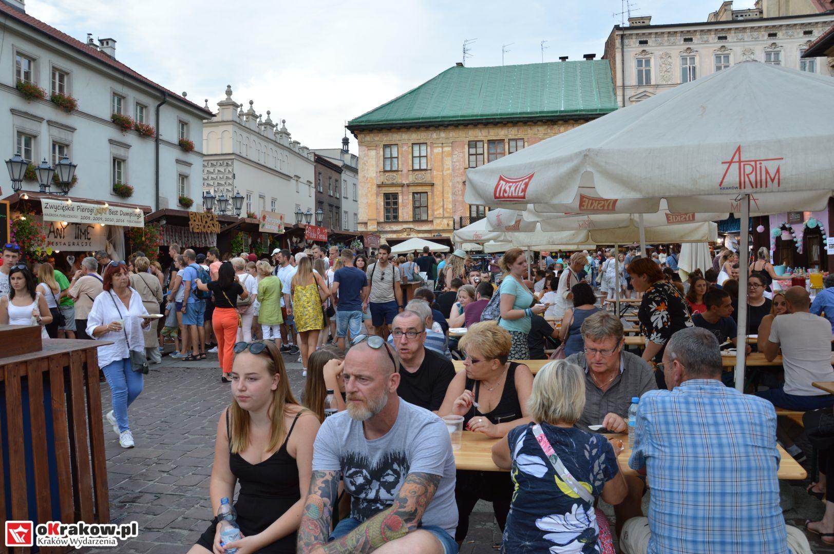 krakow festiwal pierogow maly rynek koncert cheap tobacco 50 150x150 - Galeria zdjęć Festiwal Pierogów Kraków 2018 + zdjęcia z koncertu Cheap Tobacco