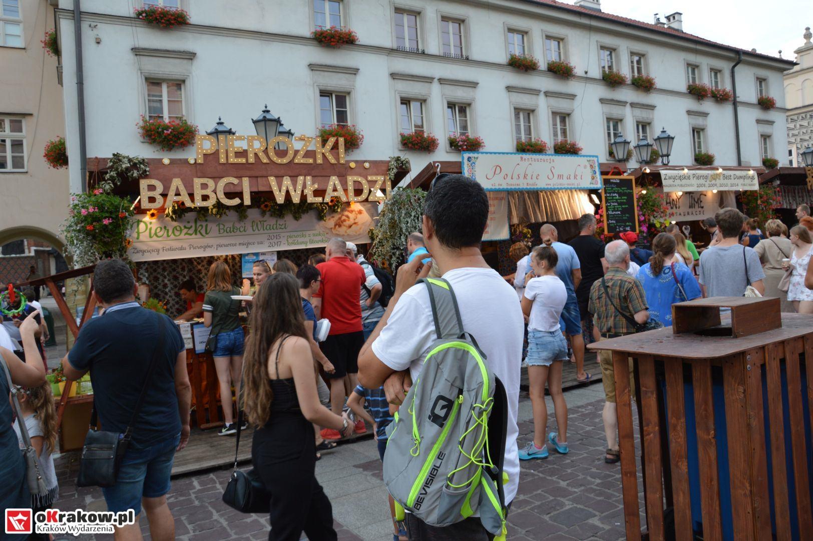 krakow festiwal pierogow maly rynek koncert cheap tobacco 51 150x150 - Galeria zdjęć Festiwal Pierogów Kraków 2018 + zdjęcia z koncertu Cheap Tobacco