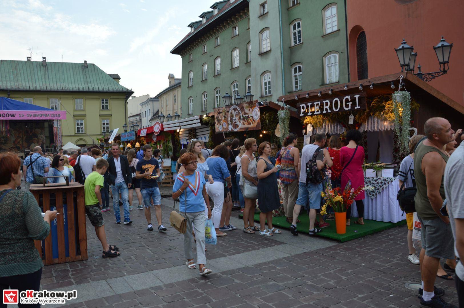 krakow festiwal pierogow maly rynek koncert cheap tobacco 52 150x150 - Galeria zdjęć Festiwal Pierogów Kraków 2018 + zdjęcia z koncertu Cheap Tobacco