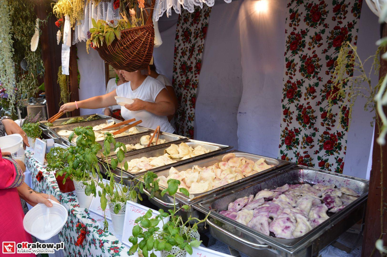 krakow festiwal pierogow maly rynek koncert cheap tobacco 54 150x150 - Galeria zdjęć Festiwal Pierogów Kraków 2018 + zdjęcia z koncertu Cheap Tobacco