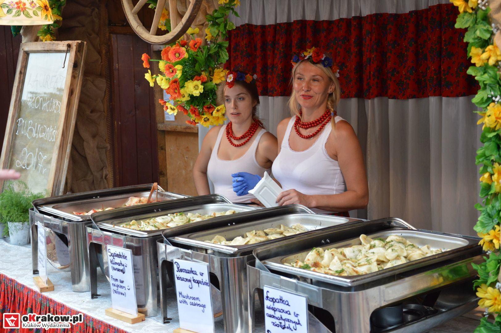 krakow festiwal pierogow maly rynek koncert cheap tobacco 59 150x150 - Galeria zdjęć Festiwal Pierogów Kraków 2018 + zdjęcia z koncertu Cheap Tobacco