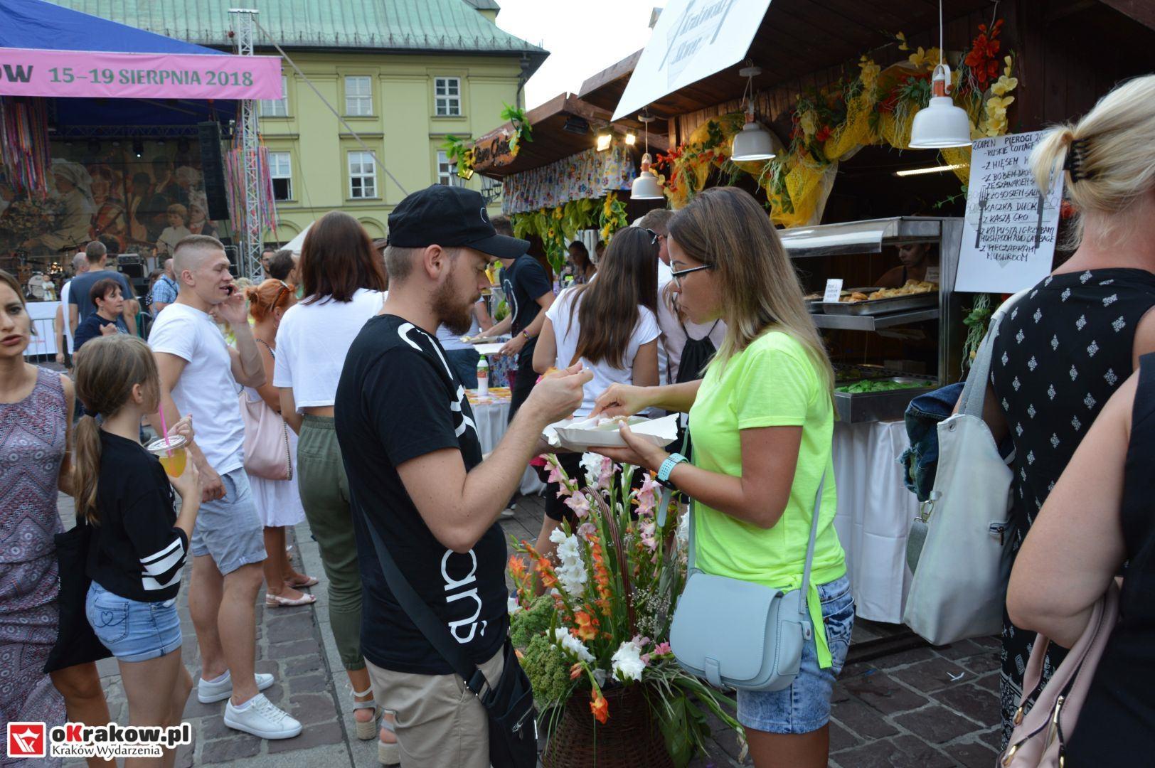 krakow festiwal pierogow maly rynek koncert cheap tobacco 61 150x150 - Galeria zdjęć Festiwal Pierogów Kraków 2018 + zdjęcia z koncertu Cheap Tobacco