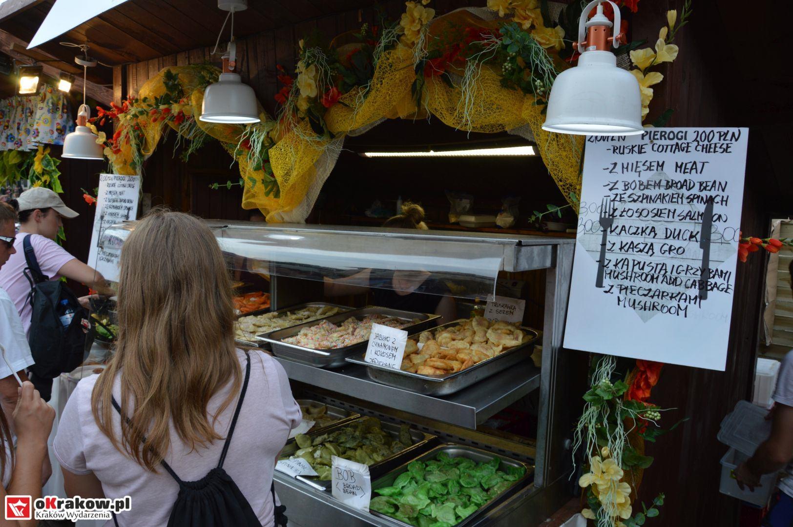 krakow festiwal pierogow maly rynek koncert cheap tobacco 64 150x150 - Galeria zdjęć Festiwal Pierogów Kraków 2018 + zdjęcia z koncertu Cheap Tobacco