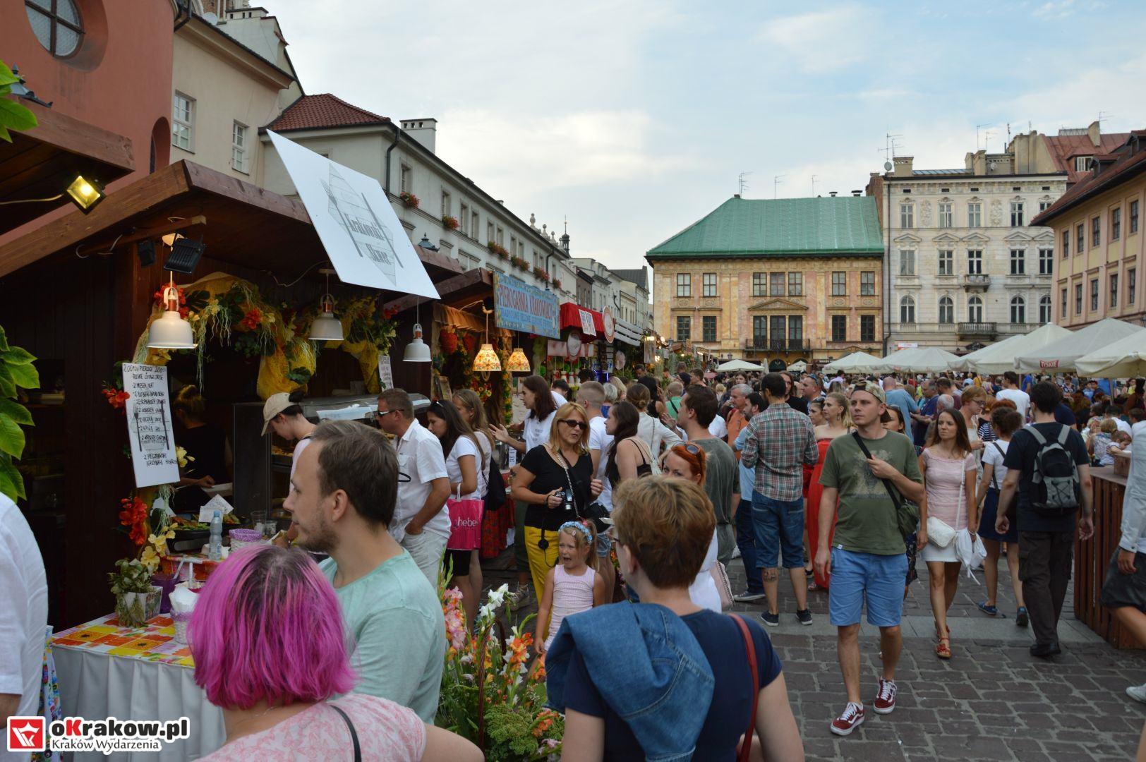 krakow festiwal pierogow maly rynek koncert cheap tobacco 66 150x150 - Galeria zdjęć Festiwal Pierogów Kraków 2018 + zdjęcia z koncertu Cheap Tobacco