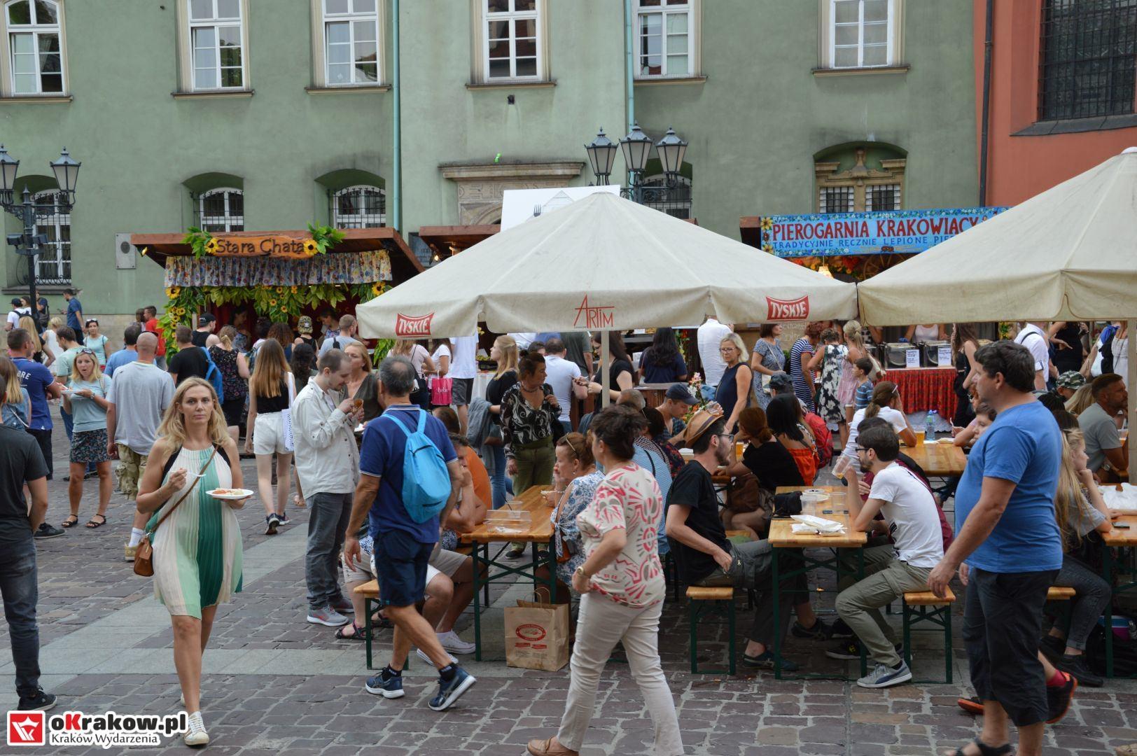 krakow festiwal pierogow maly rynek koncert cheap tobacco 69 150x150 - Galeria zdjęć Festiwal Pierogów Kraków 2018 + zdjęcia z koncertu Cheap Tobacco