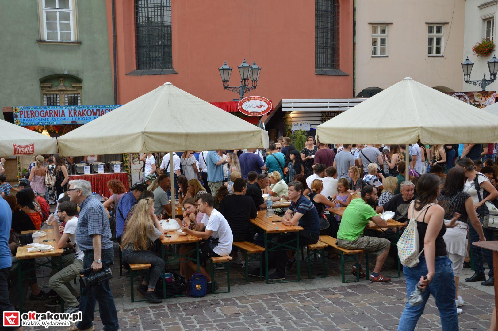 krakow festiwal pierogow maly rynek koncert cheap tobacco 70 150x150 - Galeria zdjęć Festiwal Pierogów Kraków 2018 + zdjęcia z koncertu Cheap Tobacco