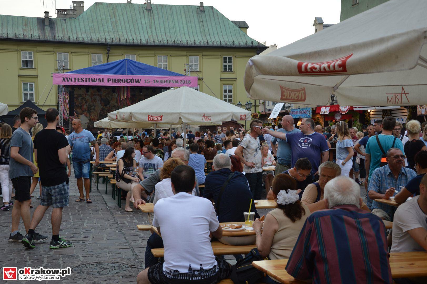 krakow festiwal pierogow maly rynek koncert cheap tobacco 79 150x150 - Galeria zdjęć Festiwal Pierogów Kraków 2018 + zdjęcia z koncertu Cheap Tobacco