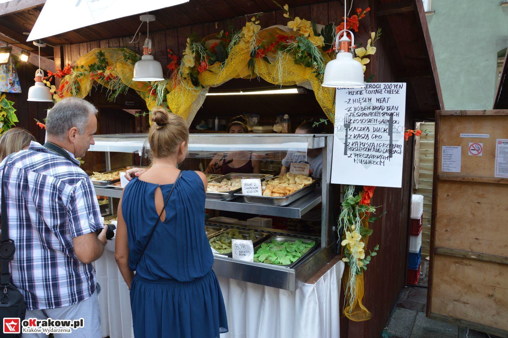 krakow festiwal pierogow maly rynek koncert cheap tobacco 8 150x150 - Galeria zdjęć Festiwal Pierogów Kraków 2018 + zdjęcia z koncertu Cheap Tobacco
